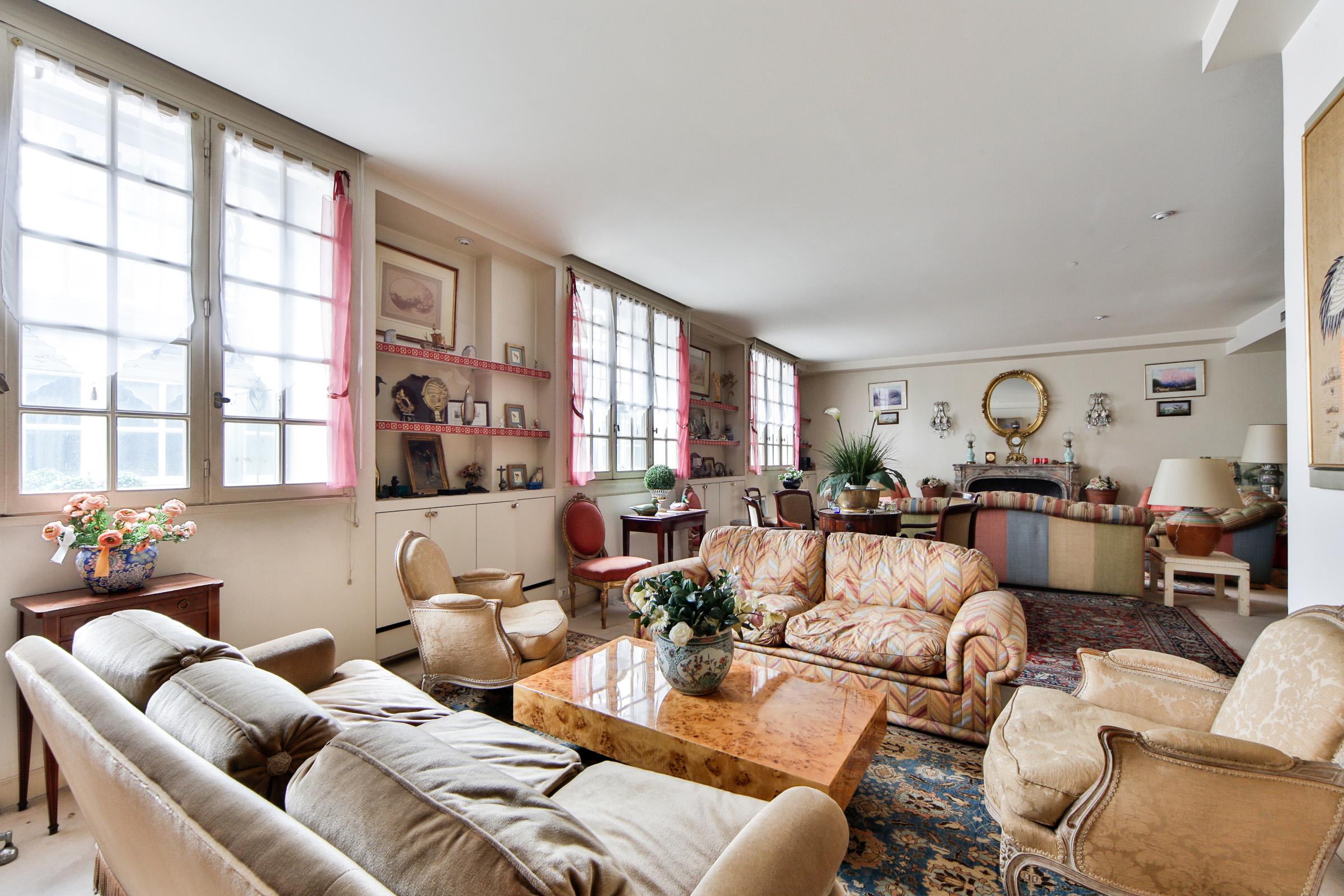 Appartamento per Vendita alle ore Apartment - Foch Paris, Parigi 75116 Francia