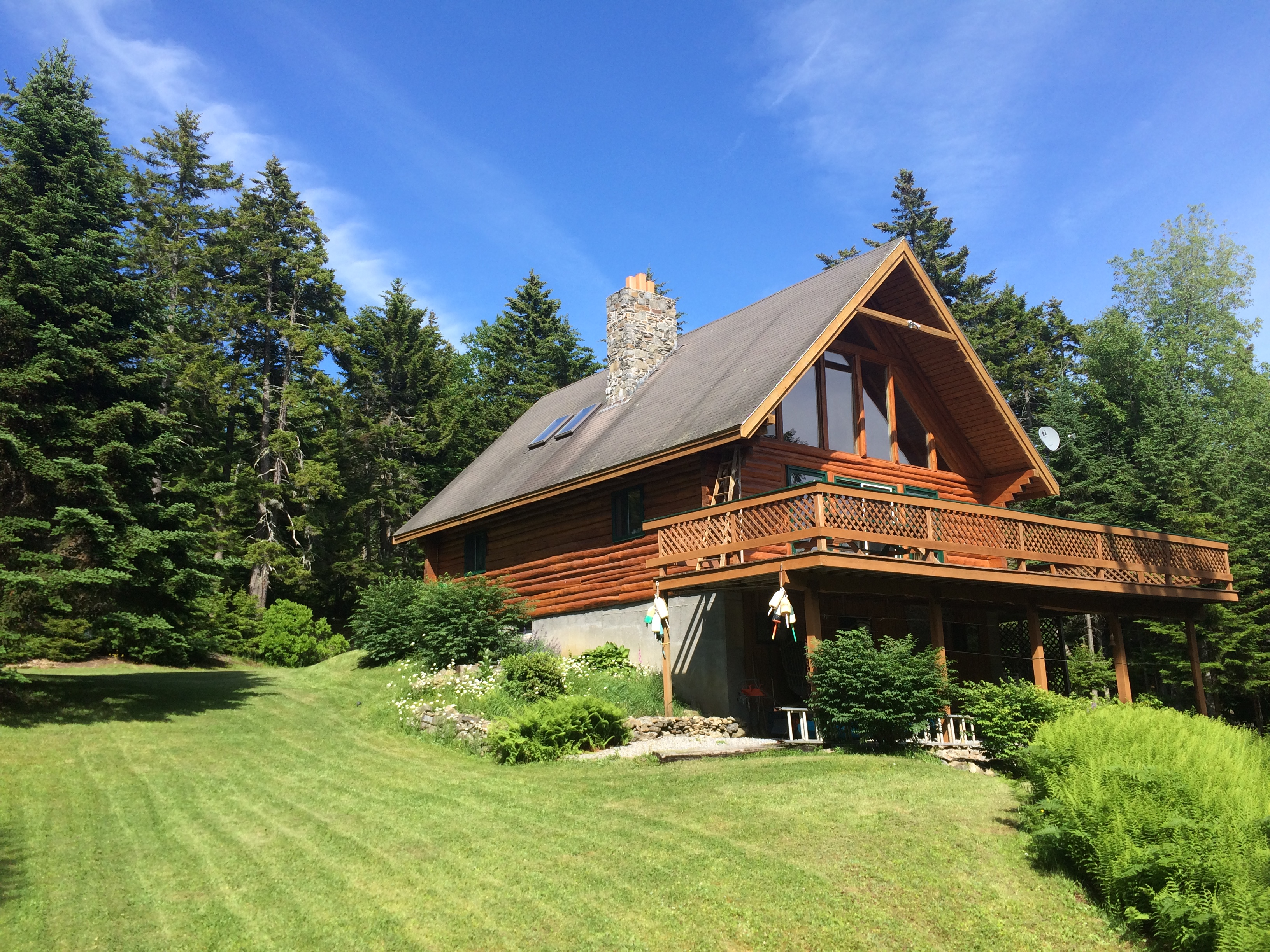 Vivienda unifamiliar por un Venta en Island Log Retreat 1101 Ellis Lane Islesboro, Maine, 04848 Estados Unidos