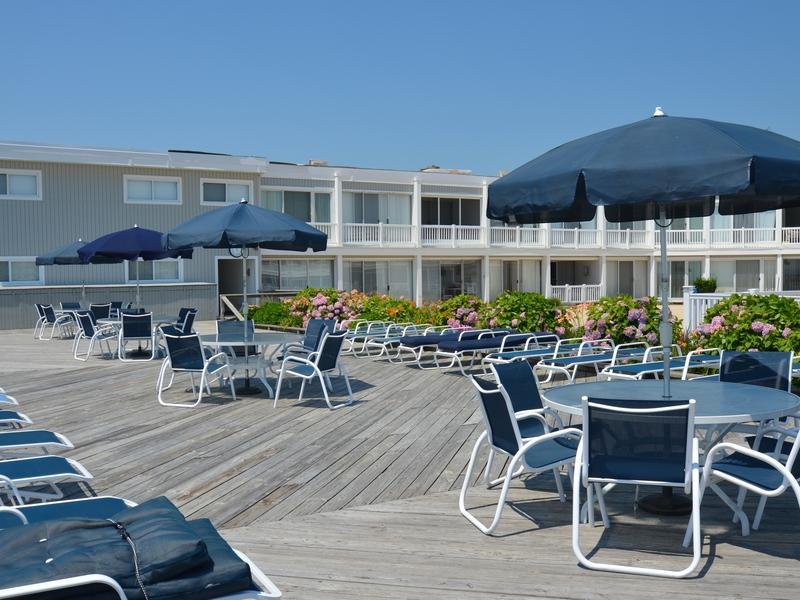 Cooperativa por un Venta en Westhampton Oceanfront Co-op 585 Dune Road, 22B Westhampton, Nueva York 11977 Estados Unidos
