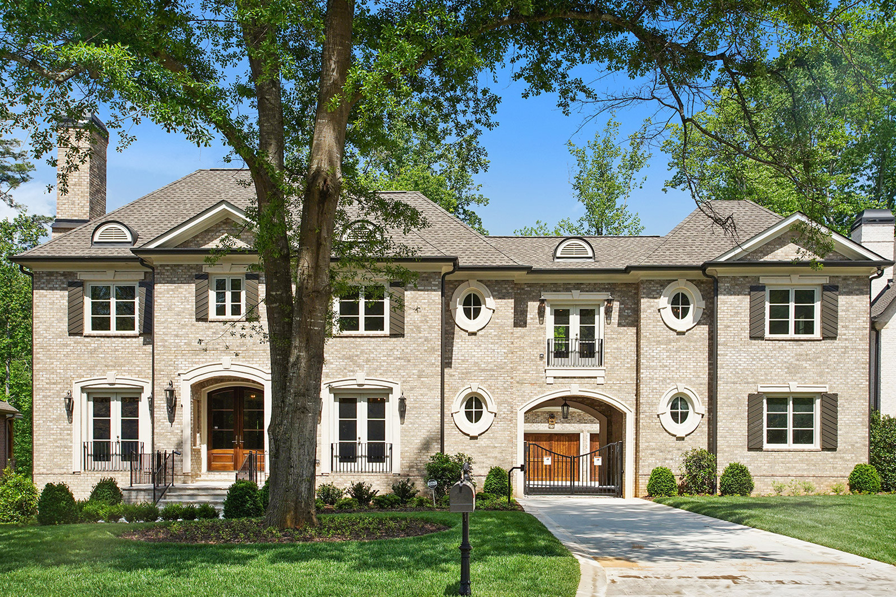 獨棟家庭住宅 為 出售 在 Stunning New Construction In Prime Sandy Springs Location 215 Rivermere Way Atlanta, 喬治亞州, 30350 美國
