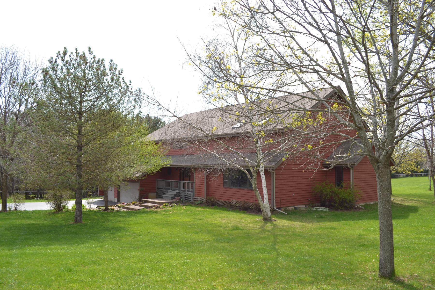 独户住宅 为 销售 在 13919 Appleby Court 伍德斯托克, 伊利诺斯州 60098 美国