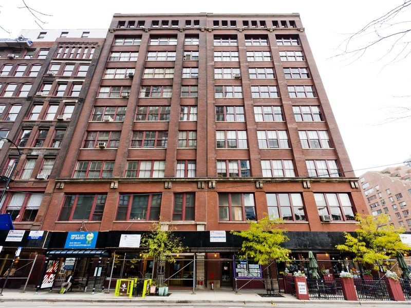Condominio por un Venta en True Loft in Printer's Row Donohue Annex 727 S Dearborn Street Unit 611 Chicago, Illinois 60605 Estados Unidos