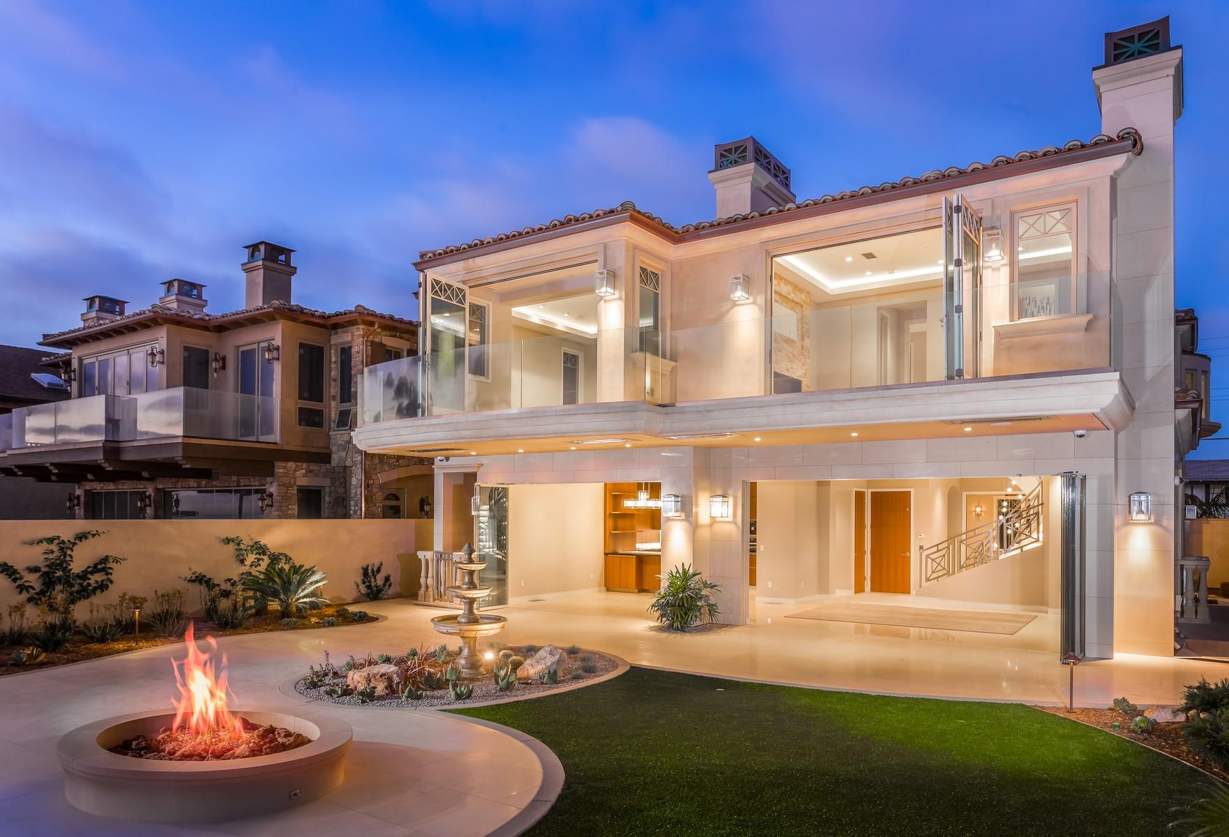 独户住宅 为 销售 在 824-828 Neptune Avenue 恩悉尼塔斯, 92024 美国