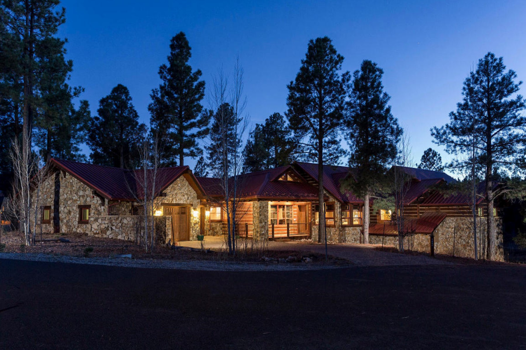 Maison unifamiliale pour l Vente à Incredible Luxury Mountain Home On a Prime Cul-de-Sac in Exclusive Pine Canyon 1887 E Marengo Court Flagstaff, Arizona, 86005 États-Unis