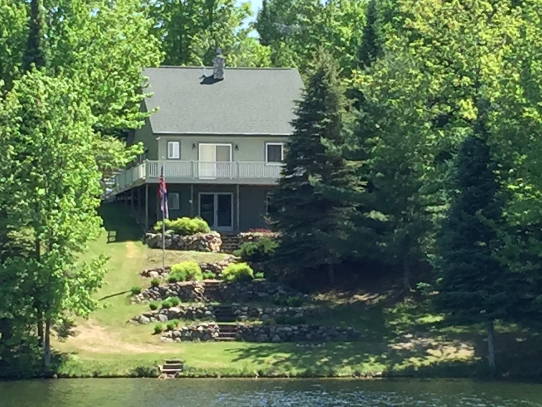 Maison unifamiliale pour l Vente à 3600 Northview Drive Wolverine, Michigan, 49740 États-Unis