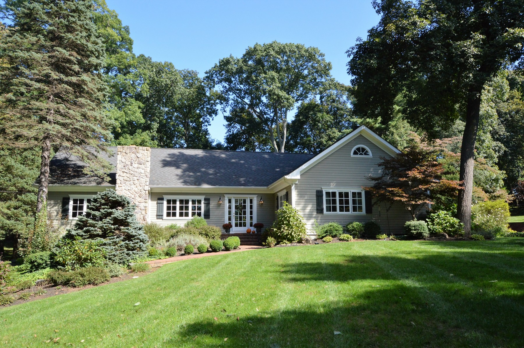 Single Family Home for Sale at Rumson, NJ - Expanded Ranch 15 Circle Drive Rumson, New Jersey, 07760 United States