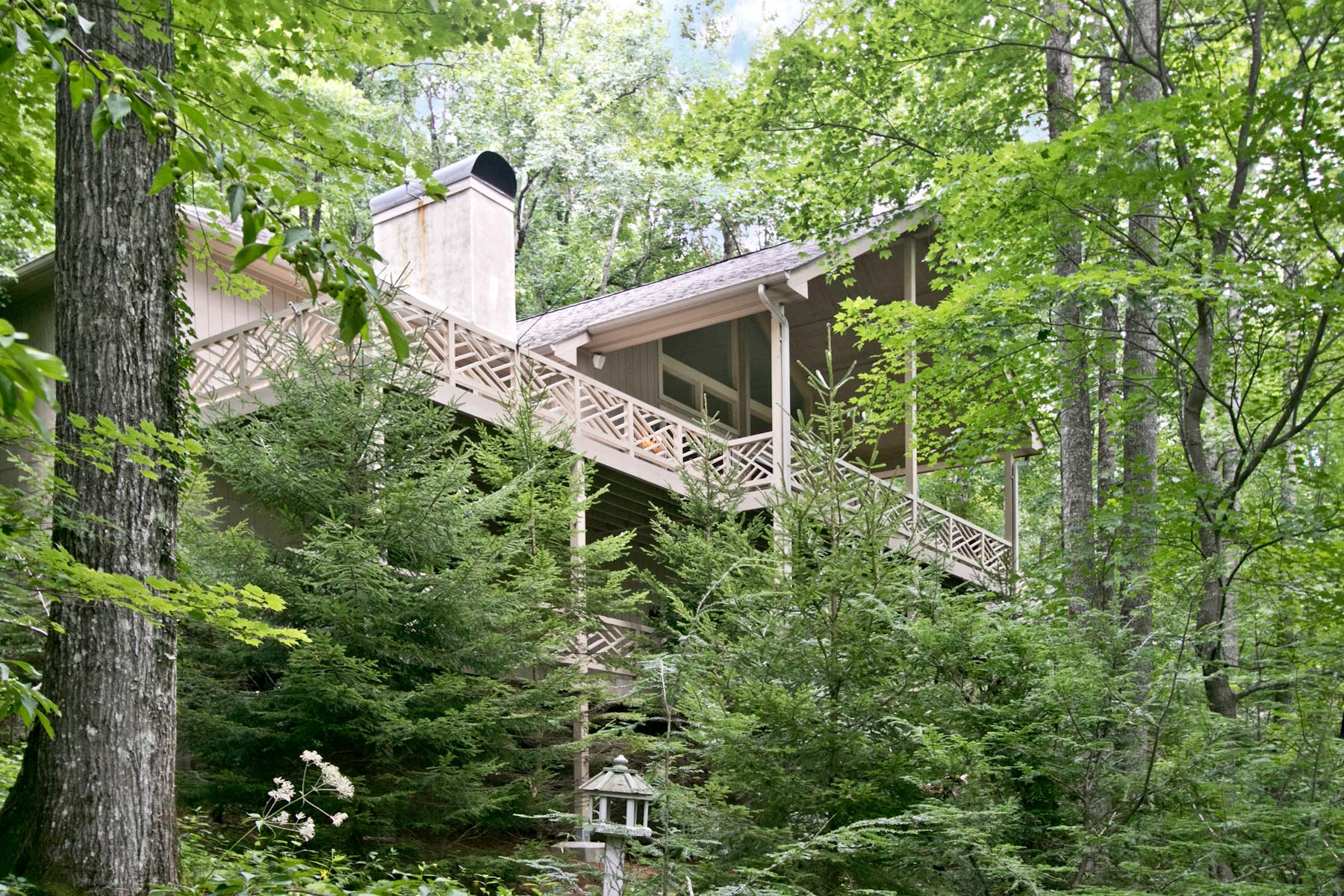 Single Family Home for Sale at 600 Lost Trail Highlands, North Carolina, 28741 United States