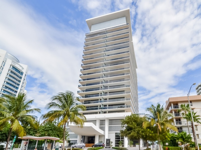 Eigentumswohnung für Verkauf beim 5875 Collins ave #1705 Miami Beach, Florida 33140 Vereinigte Staaten