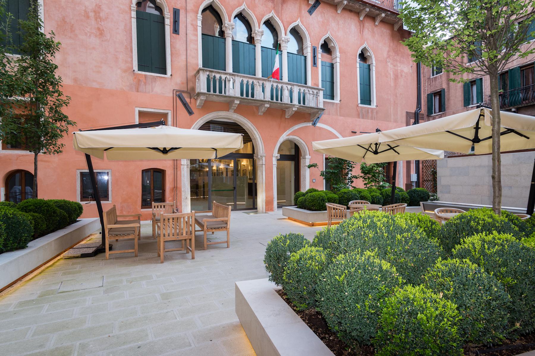 Additional photo for property listing at Mantegna Palazzo Molin del Cuoridoro San Marco Venice, Venice Italia