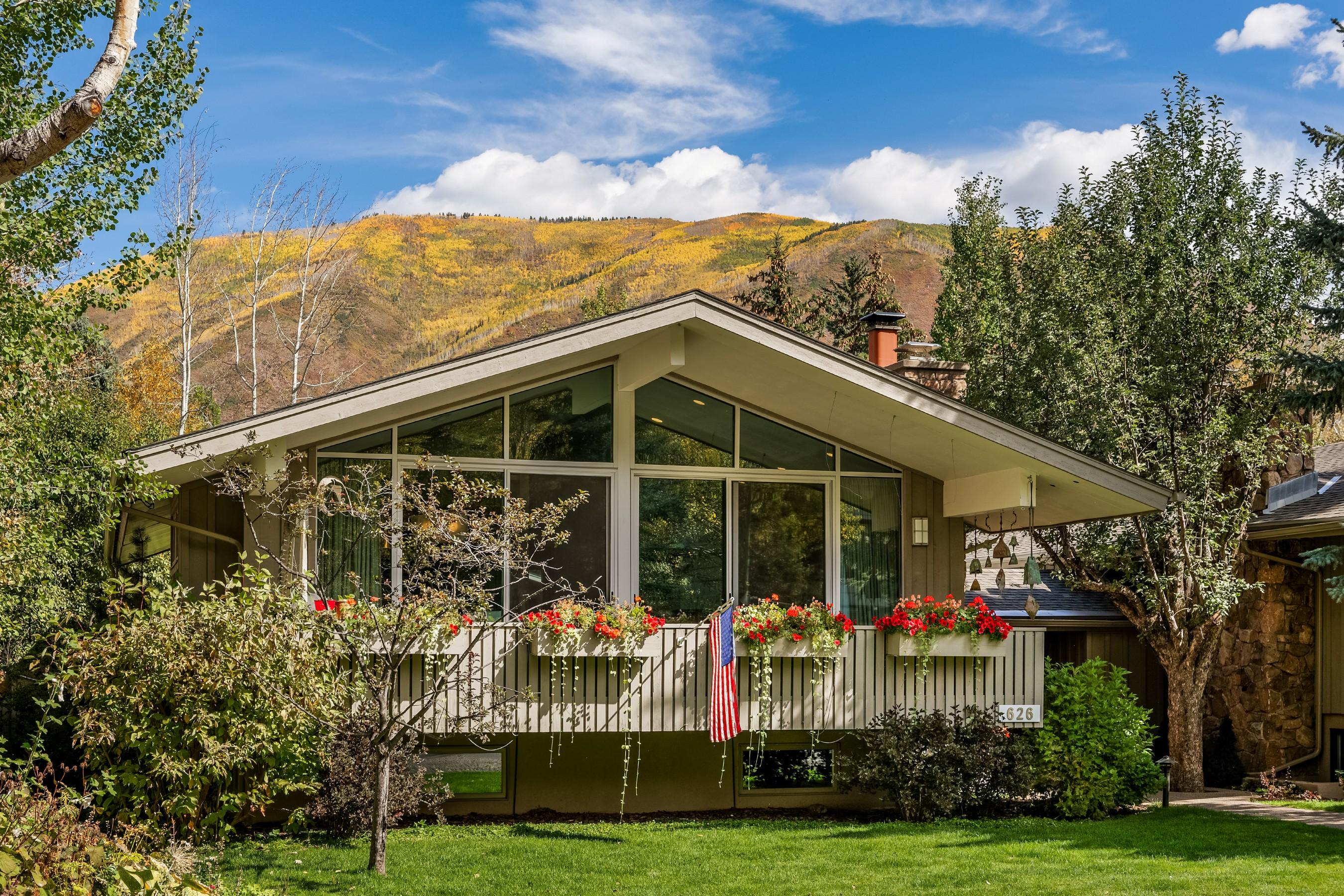дуплекс для того Продажа на West End Winner 626 W Francis Street West End, Aspen, Колорадо, 81611 Соединенные Штаты