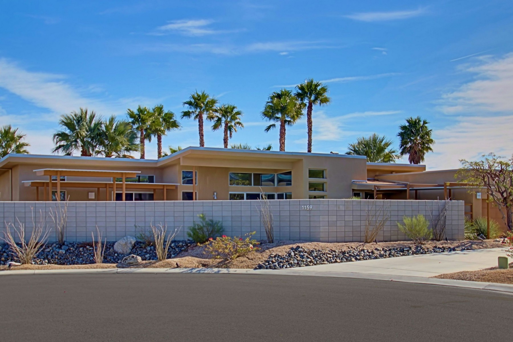 Single Family Home for Sale at 1159 Azure Court Palm Springs, California 92262 United States