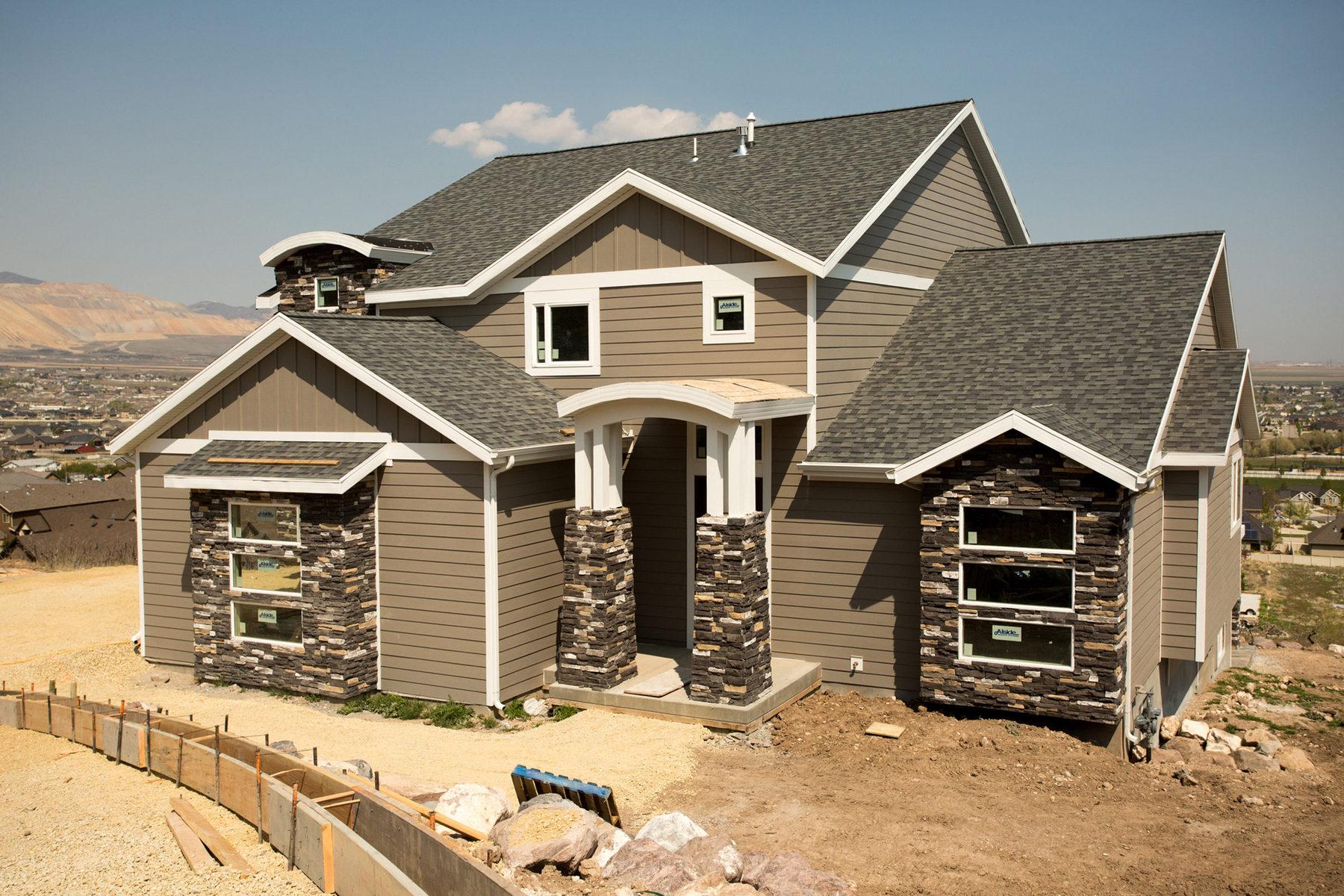Nhà ở một gia đình vì Bán tại Custom Home in Fort Herriman Cove 6146 W Fort Pierce Way Lot #319 Herriman, Utah 84096 Hoa Kỳ