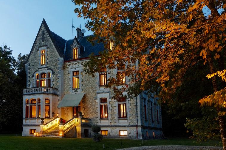 Casa para uma família para Venda às Prestigious Chateau - Luxury 9-rooms Hotel BORDEAUX Bordeaux, Aquitaine 33000 França