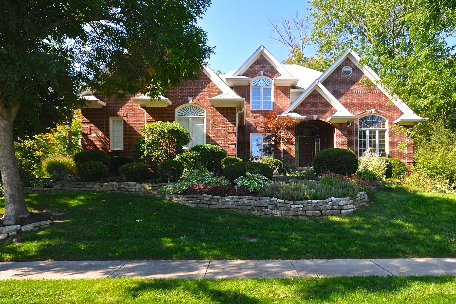 Single Family Home for Sale at The Gem of Admirals Sound 11467 Woods Bay Lane Indianapolis, Indiana 46236 United States