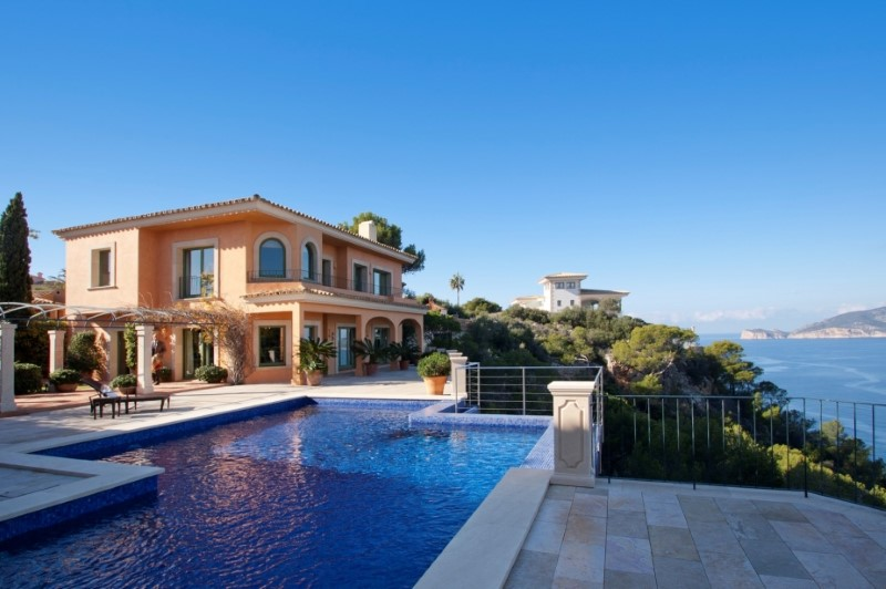 Casa Unifamiliar por un Venta en Seafront Mediterranean Villa in Port Andratx Andratx, Mallorca 07157 España