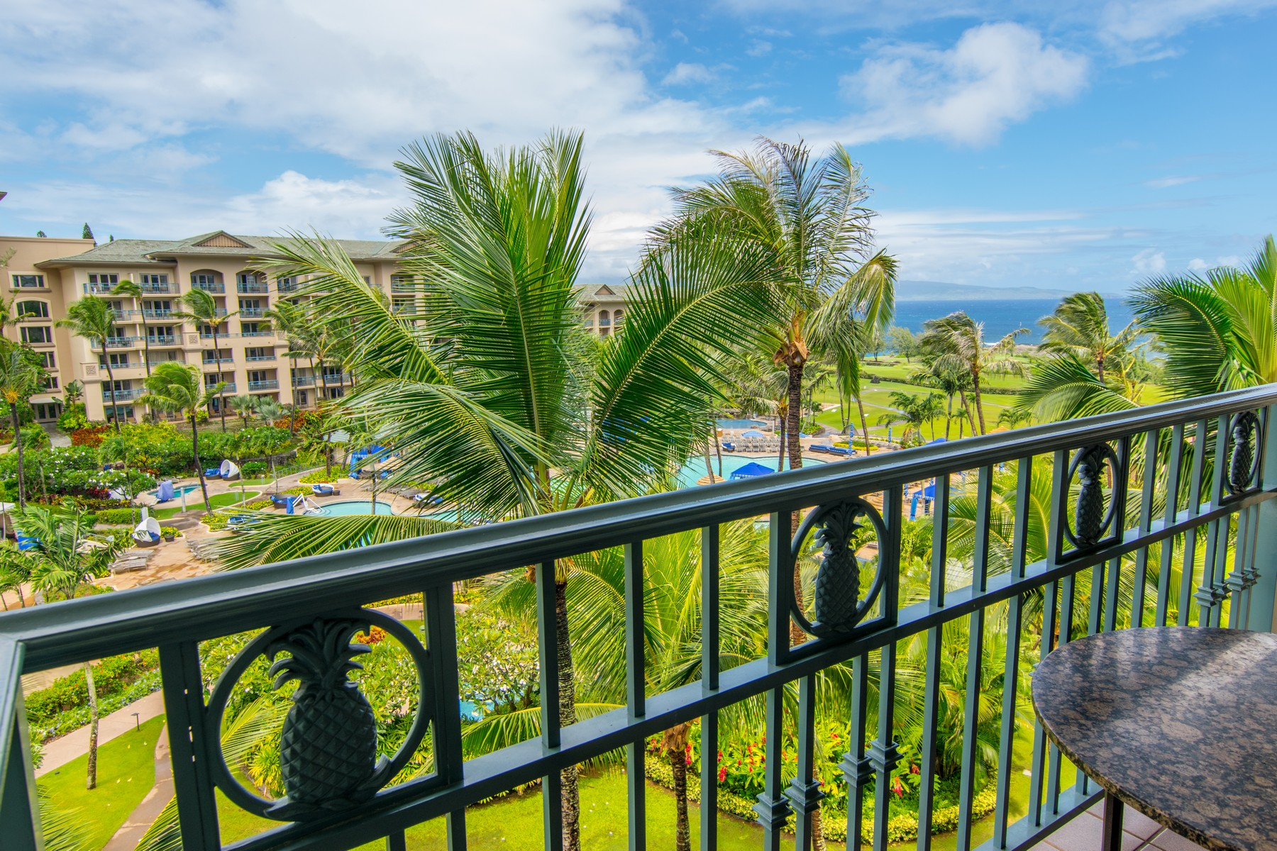 コンドミニアム のために 売買 アット Luxury Resort Living at the Ritz Hotel Suites 1 Ritz Carlton Drive, Ritz Carlton Residences 1806-1808 Kapalua, ハワイ 96761 アメリカ合衆国