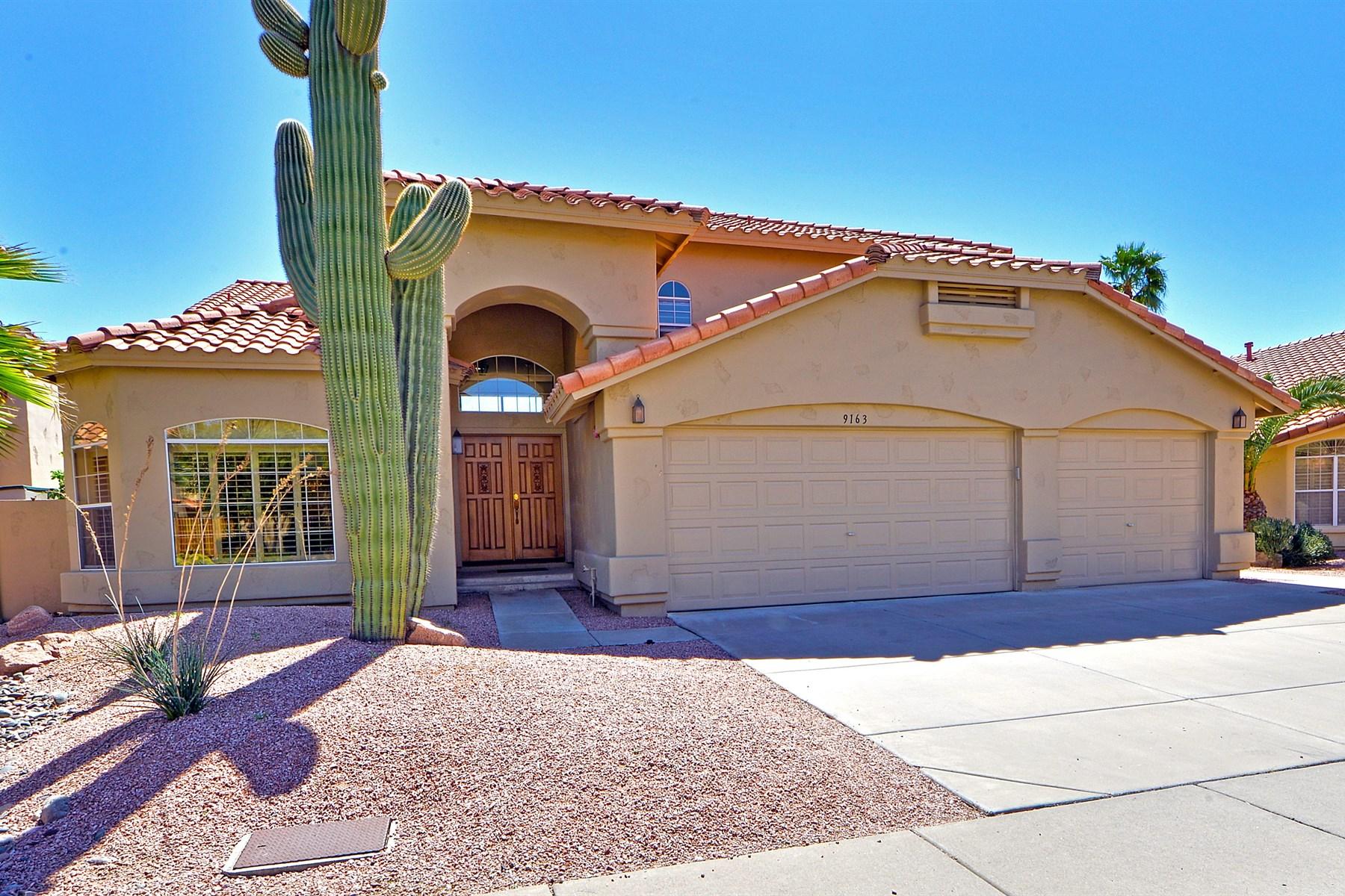 Nhà ở một gia đình vì Bán tại Immaculate Home in a Great Scottsdale Location 9163 E Pershing Ave Scottsdale, Arizona 85260 Hoa Kỳ