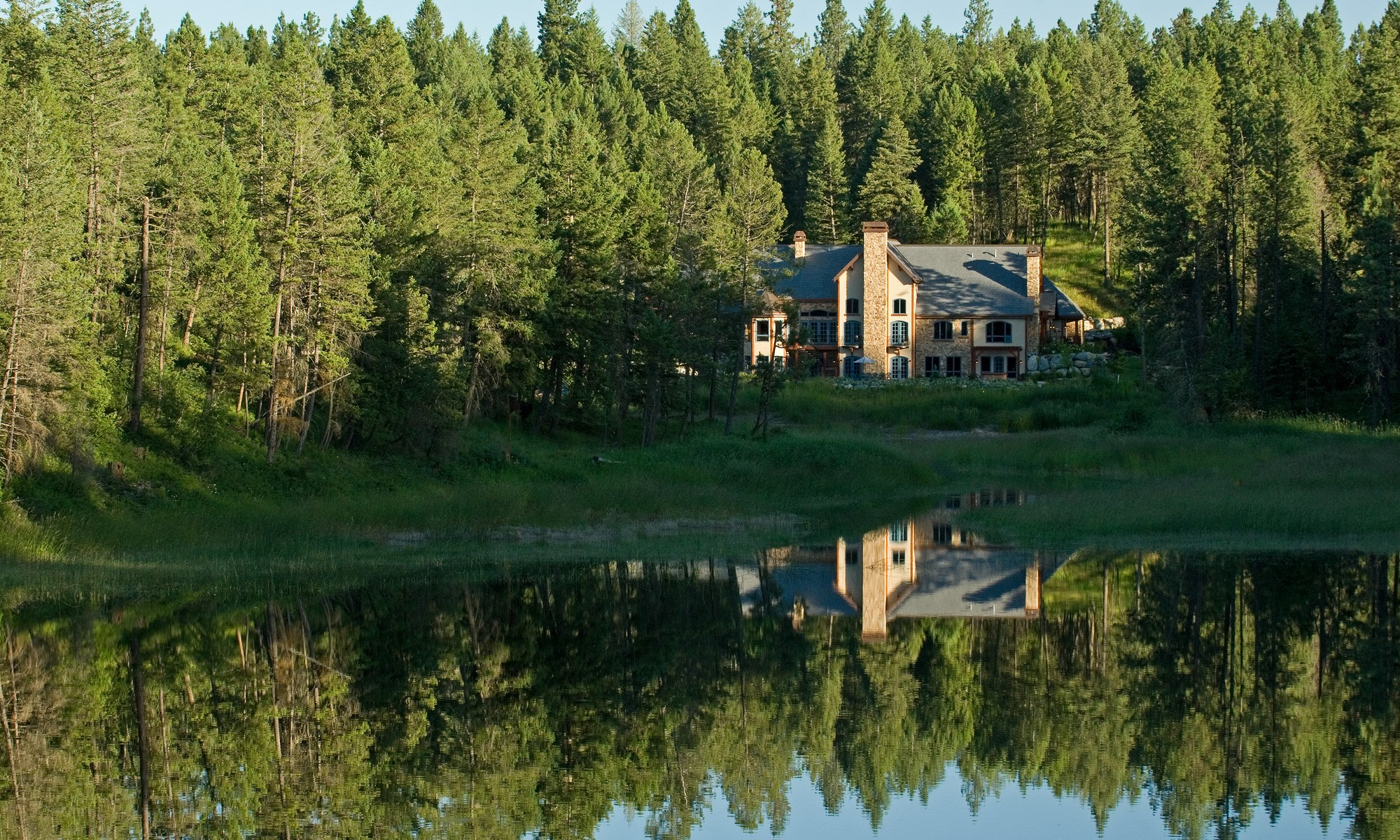 Maison unifamiliale pour l Vente à Private Lake Estate 715 Parker Lakes Road Bigfork, Montana 59911 États-Unis