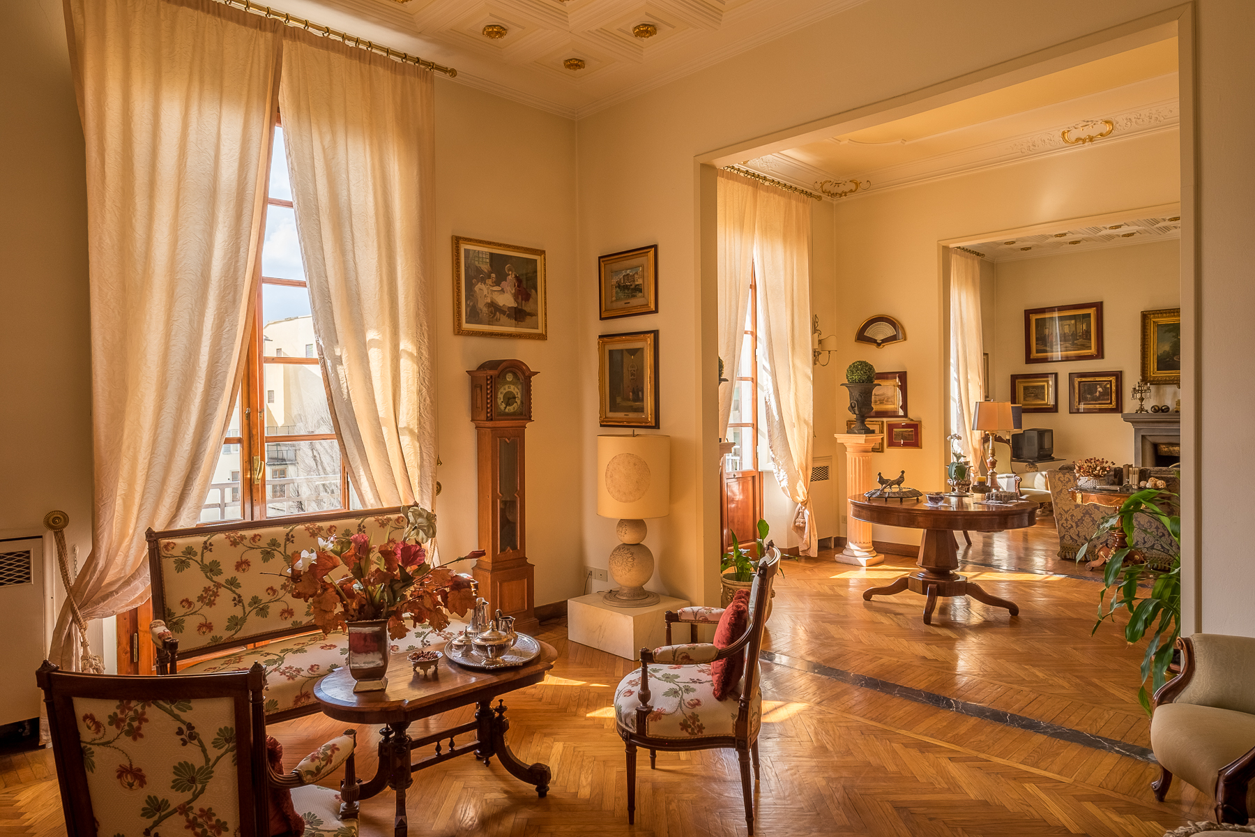 Apartamento por un Venta en Penthouse close to the American Consulate Via del Solferino Firenze, Florence 50100 Italia