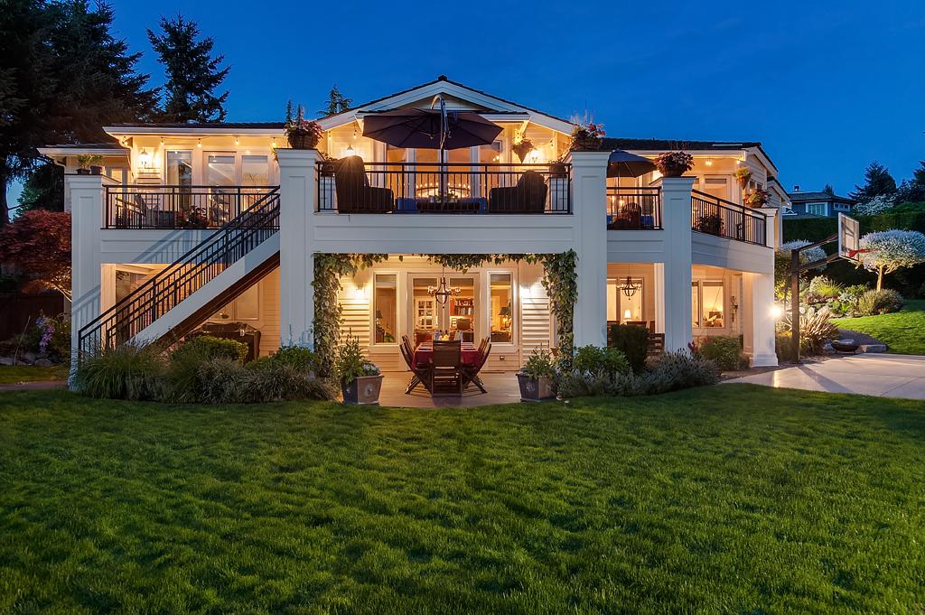 """Nhà ở một gia đình vì Bán tại Clyde Hill """"Father of the Bride"""" House 8905 NE 13th Street Clyde Hill, Washington, 98004 Hoa Kỳ"""