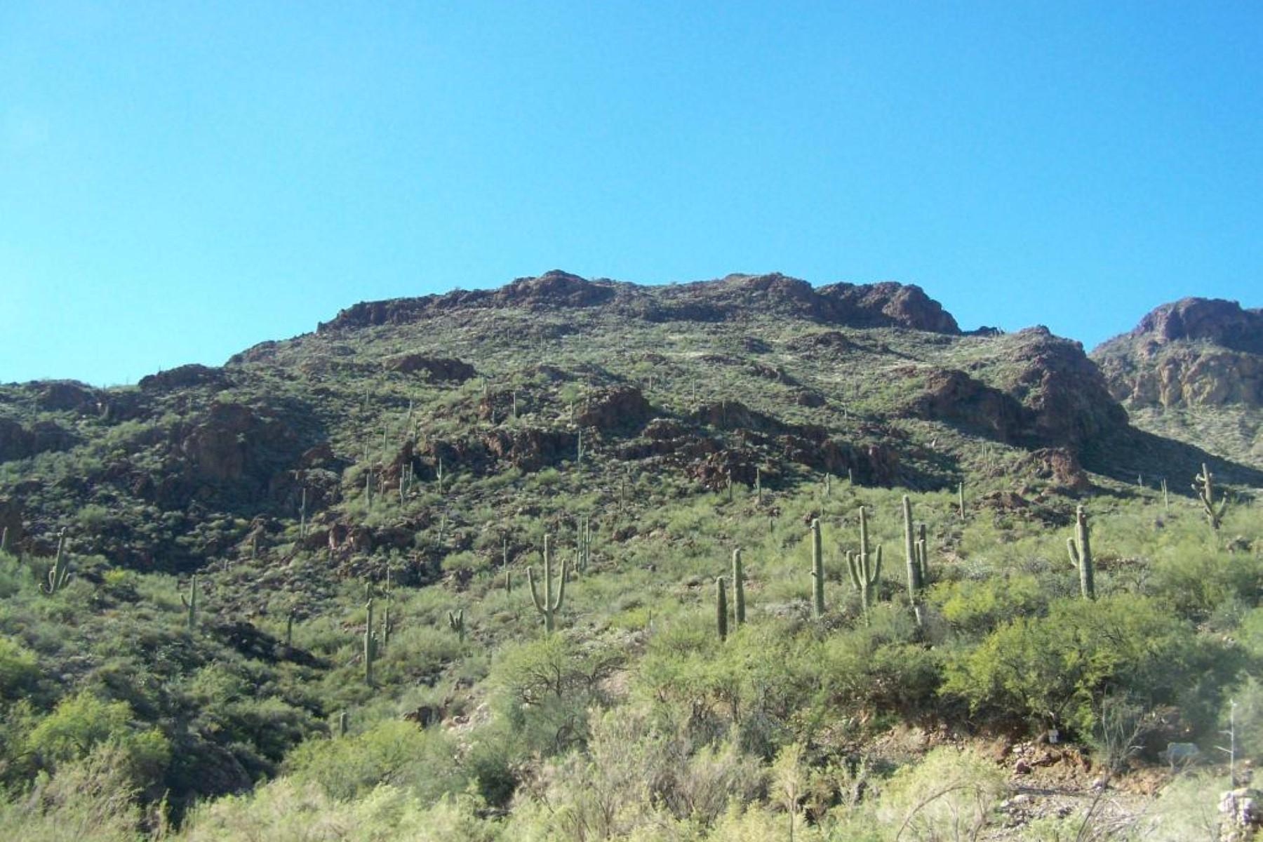 Terrain pour l Vente à Extreme mountainous property, dramatic high desert terrain and lake views 0 S Cow Creek RD S #8 Morristown, Arizona, 85342 États-Unis