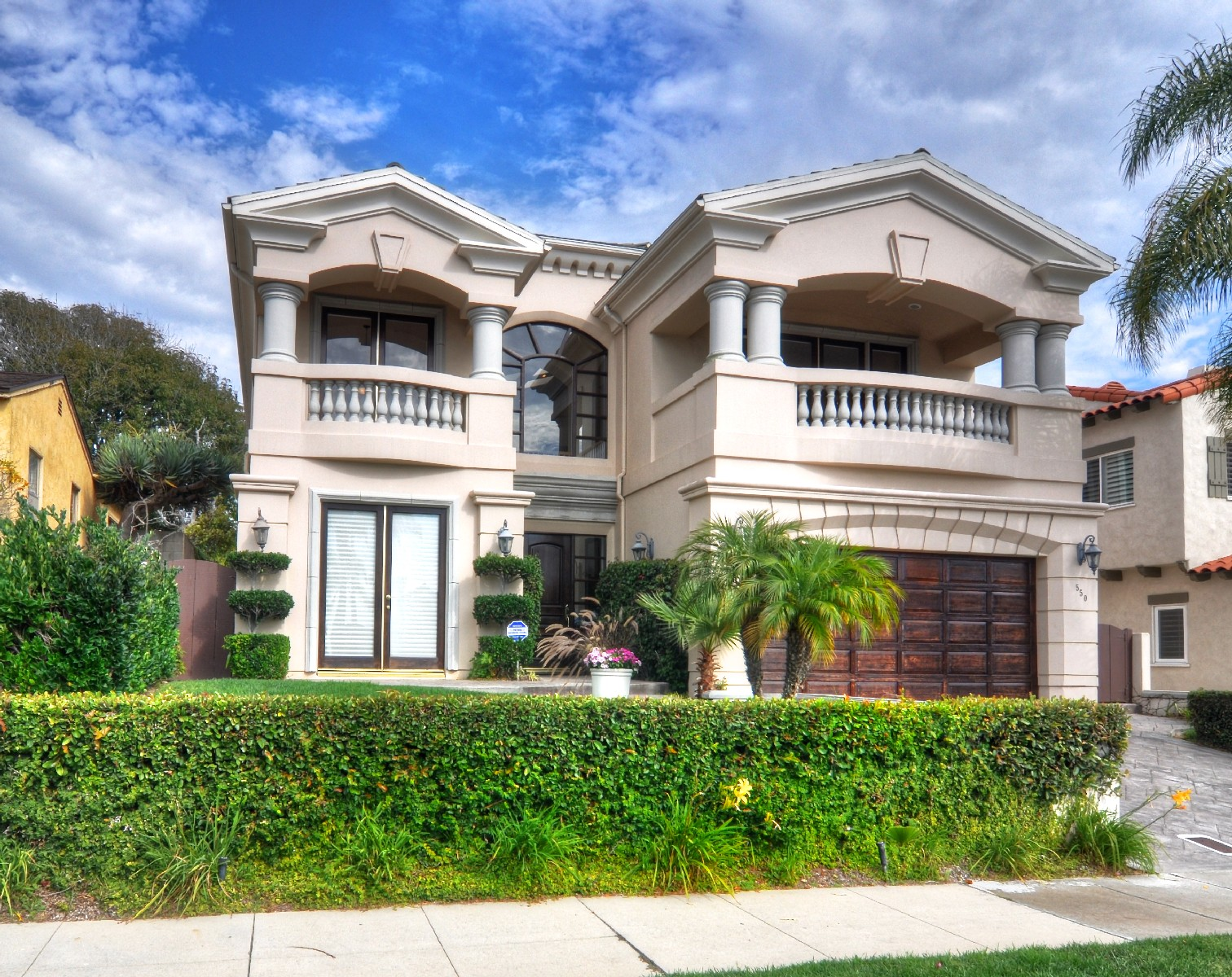 Single Family Home for Sale at 550 S Helberta Ave Redondo Beach, California 90277 United States