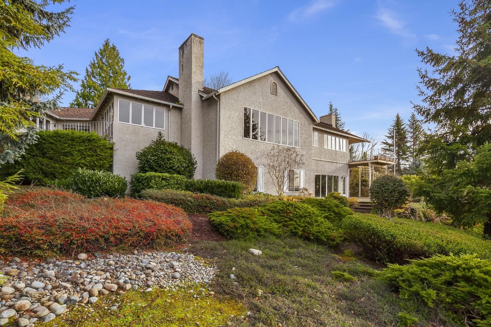 Single Family Home for Sale at 8121 SE 44th St Mercer Island, Washington, 98040 United States
