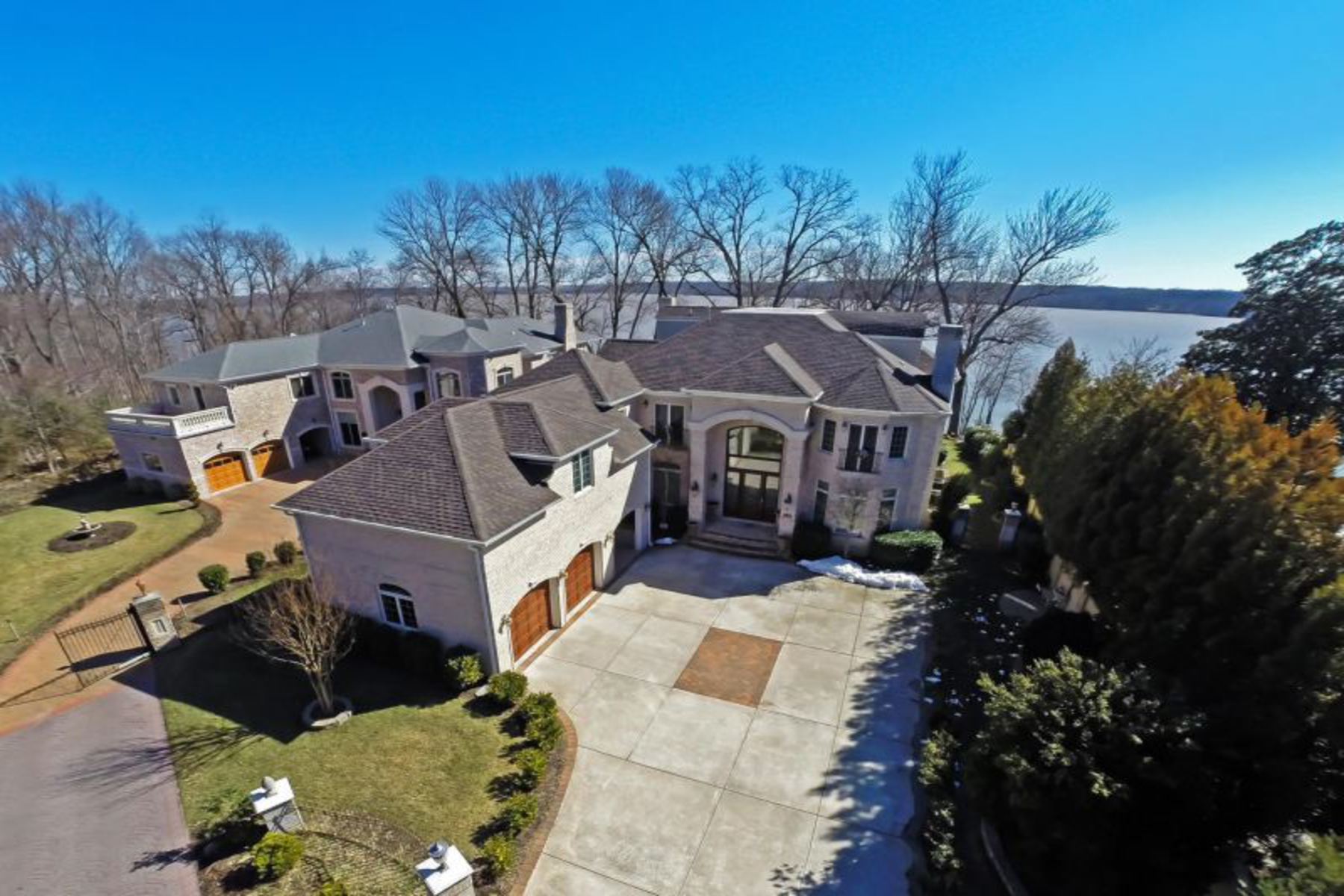 Single Family Home for Sale at 9325 Old Mansion Road, Alexandria 9325 Old Mansion Rd Alexandria, Virginia 22309 United States
