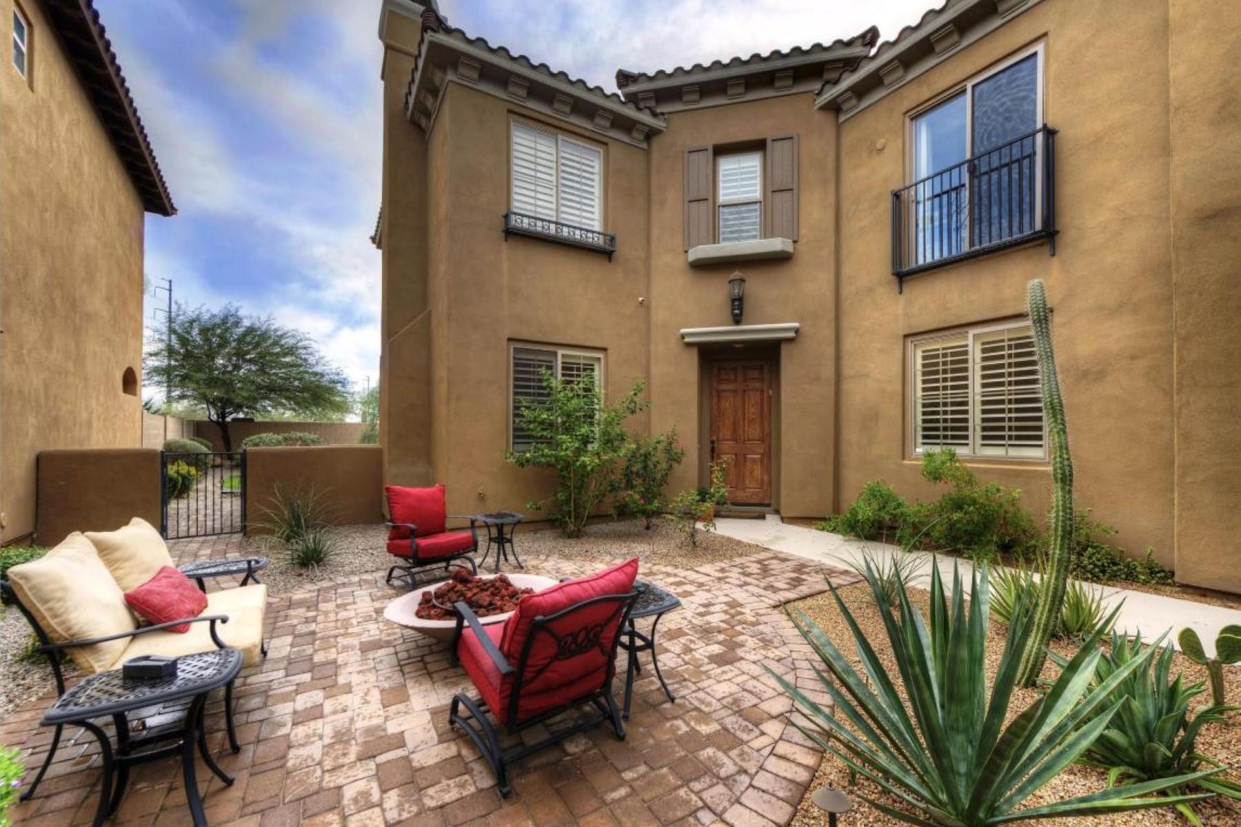 Частный односемейный дом для того Продажа на Beautiful home with private gated courtyard 3765 E Donald Dr Phoenix, Аризона 85050 Соединенные Штаты