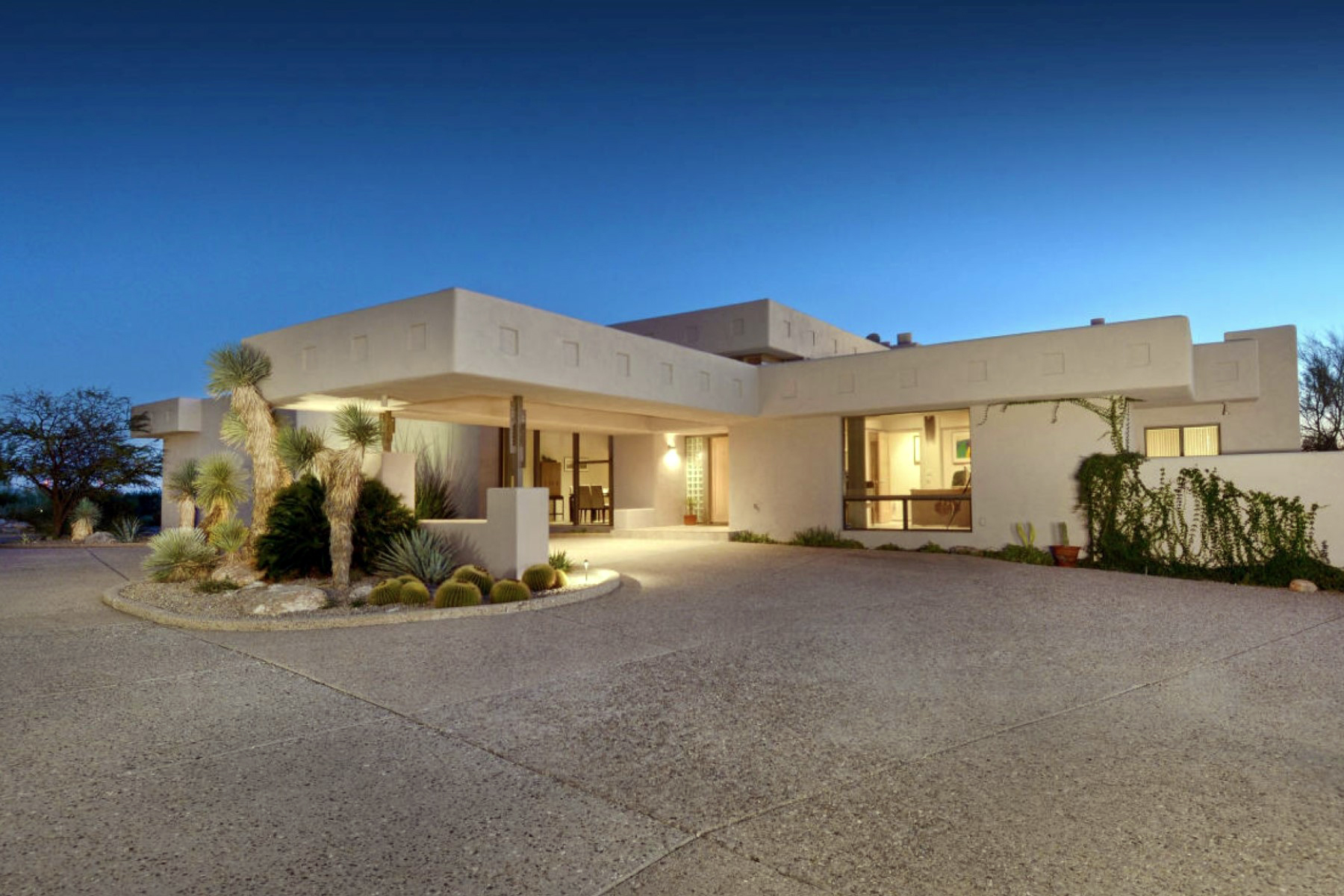 Single Family Home for Sale at Ultra-Custom David Tyson Designed Ridgetop Residence with Superior Views 5783 N Placita Juan Palisano Tucson, Arizona 85718 United States