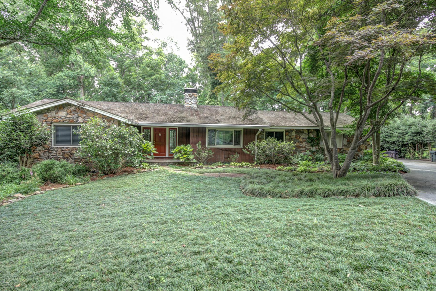 独户住宅 为 销售 在 Mid Century Modern House With Magical Landscaping 860 Edgewater Drive NW Sandy Springs, 乔治亚州 30328 美国
