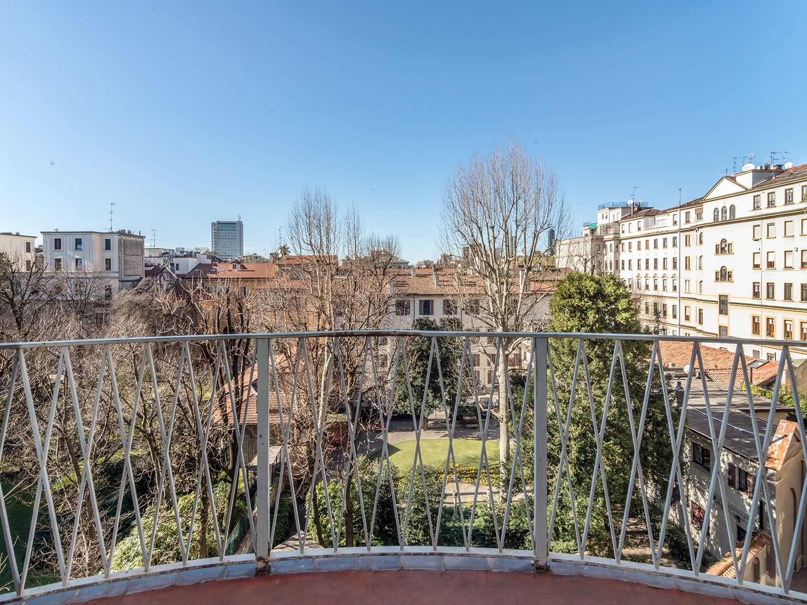 Additional photo for property listing at Charming apartment in prestigious building Piazza Duse Milano, Milan 20122 Italy