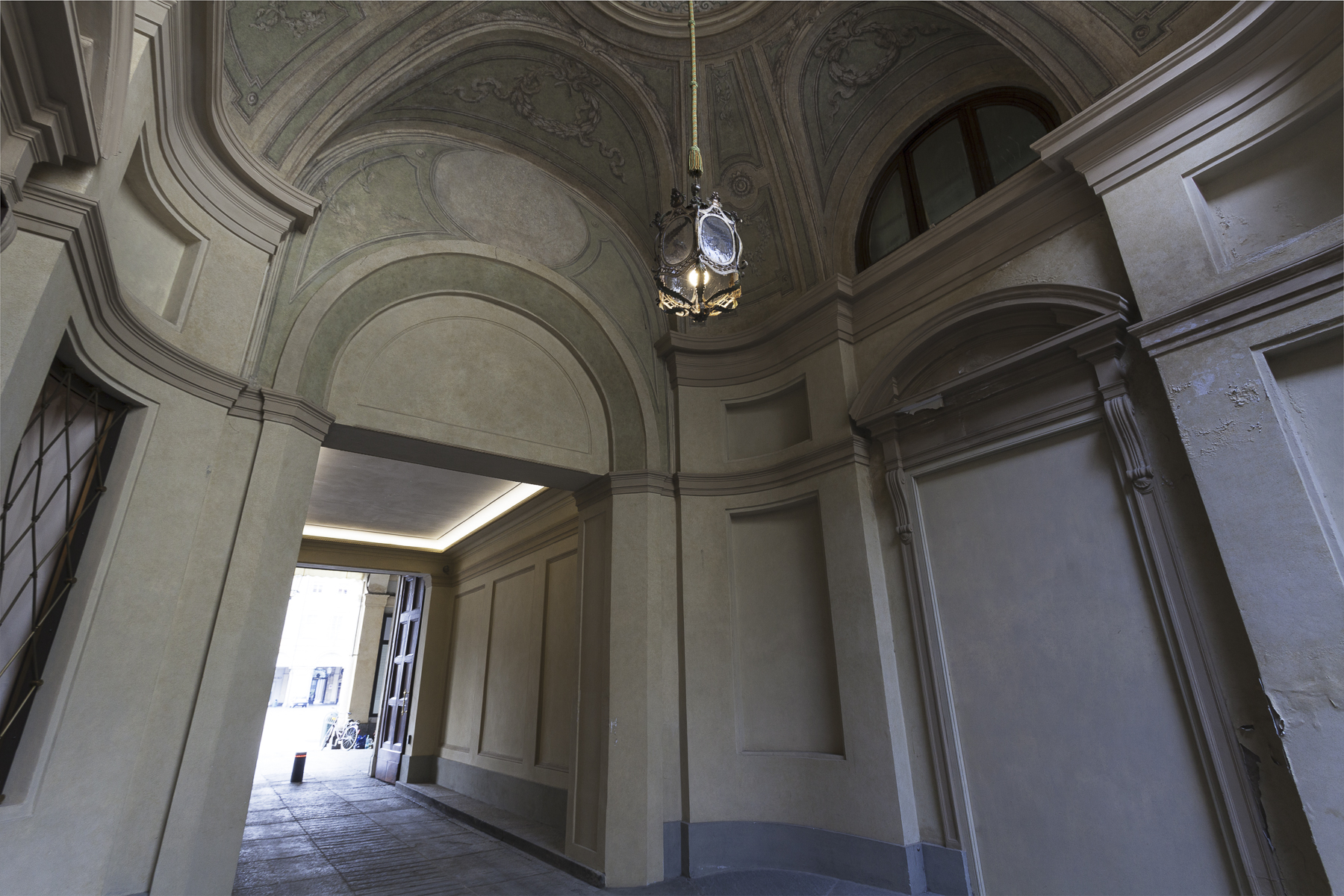 Additional photo for property listing at Exclusive Attic in Piazza San Carlo  Turin, Turin 10121 Italien