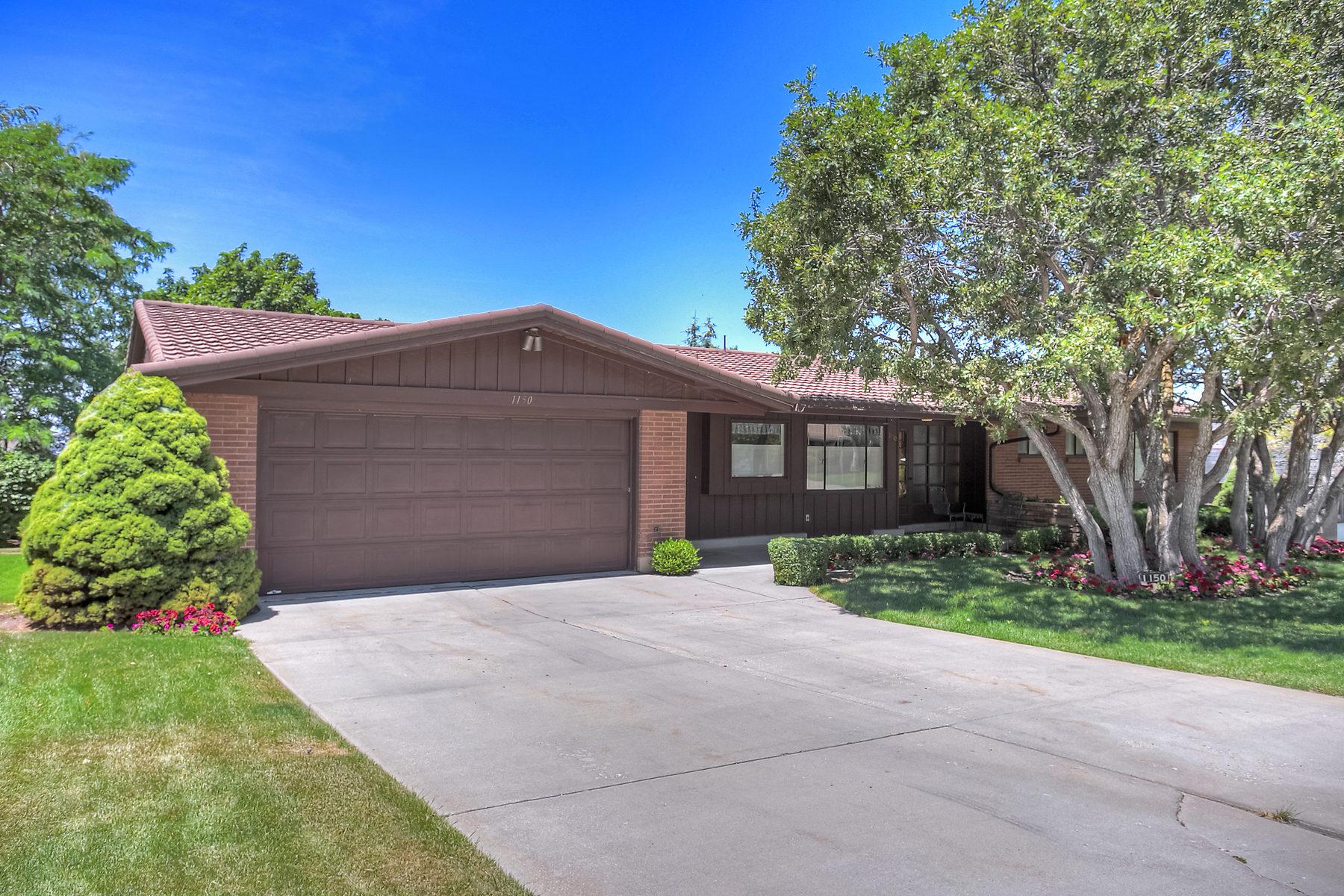 Villa per Vendita alle ore St. Mary's Rambler With Spectacular Bones 1150 S Mercedes Way Salt Lake City, Utah 84108 Stati Uniti