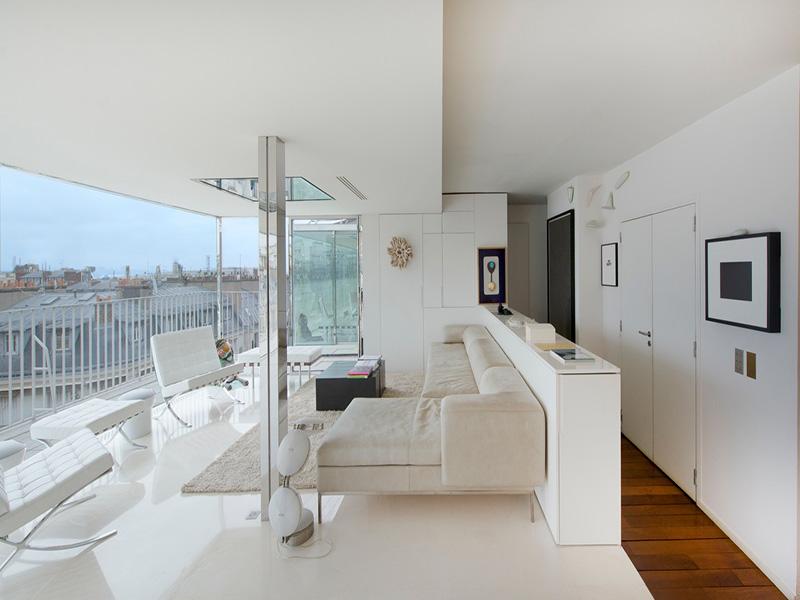 Appartamento per Vendita alle ore Apartment with Terrace - Triangle d'Or Paris, Parigi 75008 Francia