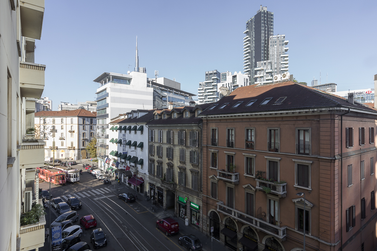 Additional photo for property listing at Exclusivfe renovated apartament Piazzale Principessa Clotilde Milano, Milan 20121 Italia