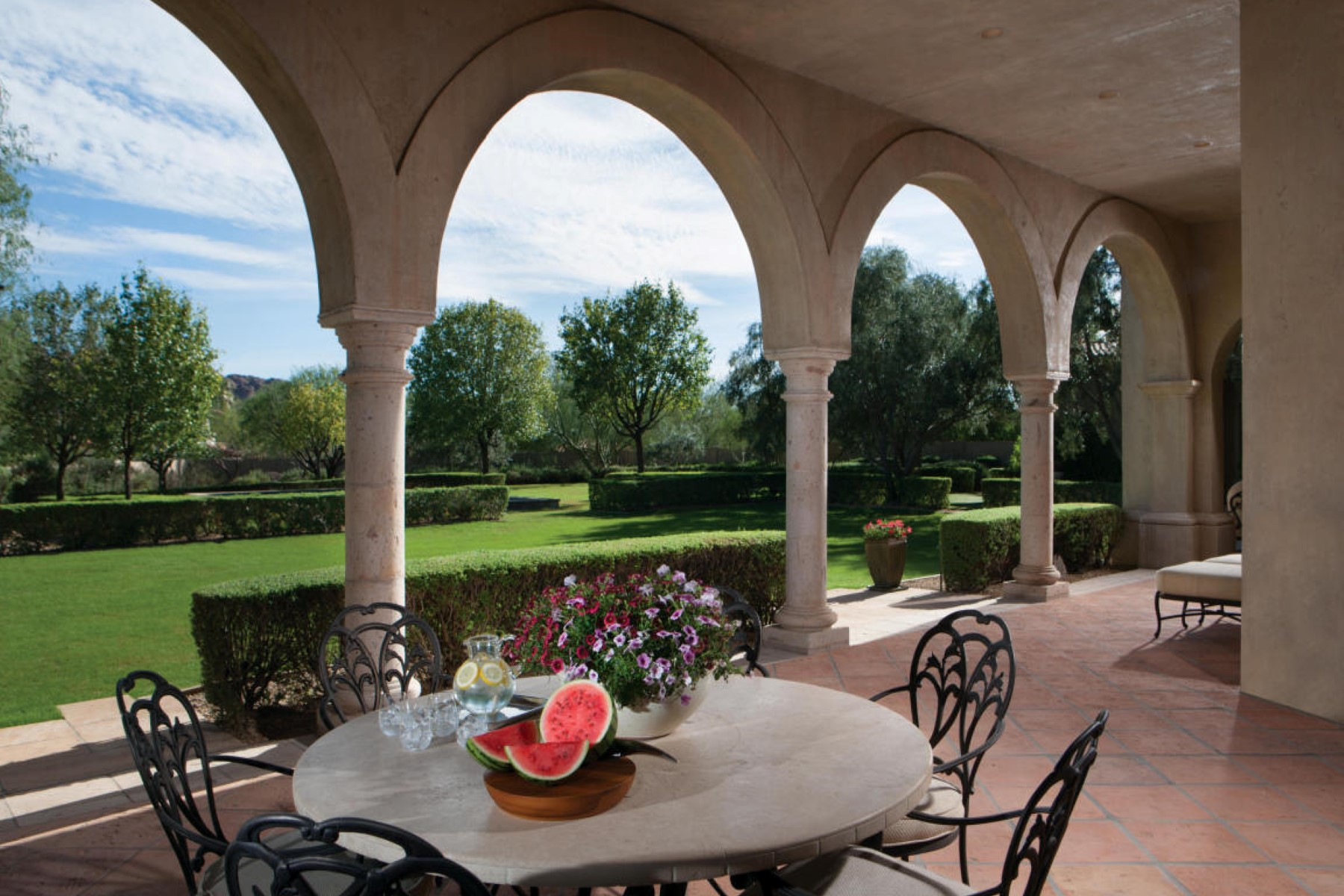 Villa per Vendita alle ore Paradise Valley's geologic crown jewel 4635 E Ocotillo Rd Paradise Valley, Arizona, 85253 Stati Uniti