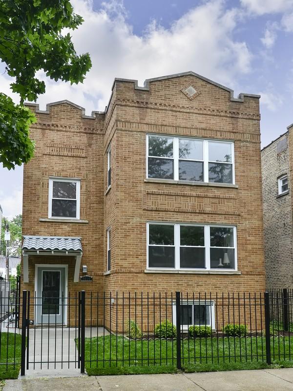 단독 가정 주택 용 매매 에 Gorgeous Single Family Home 3916 N Spaulding Avenue Irving Park, Chicago, 일리노이즈 60618 미국