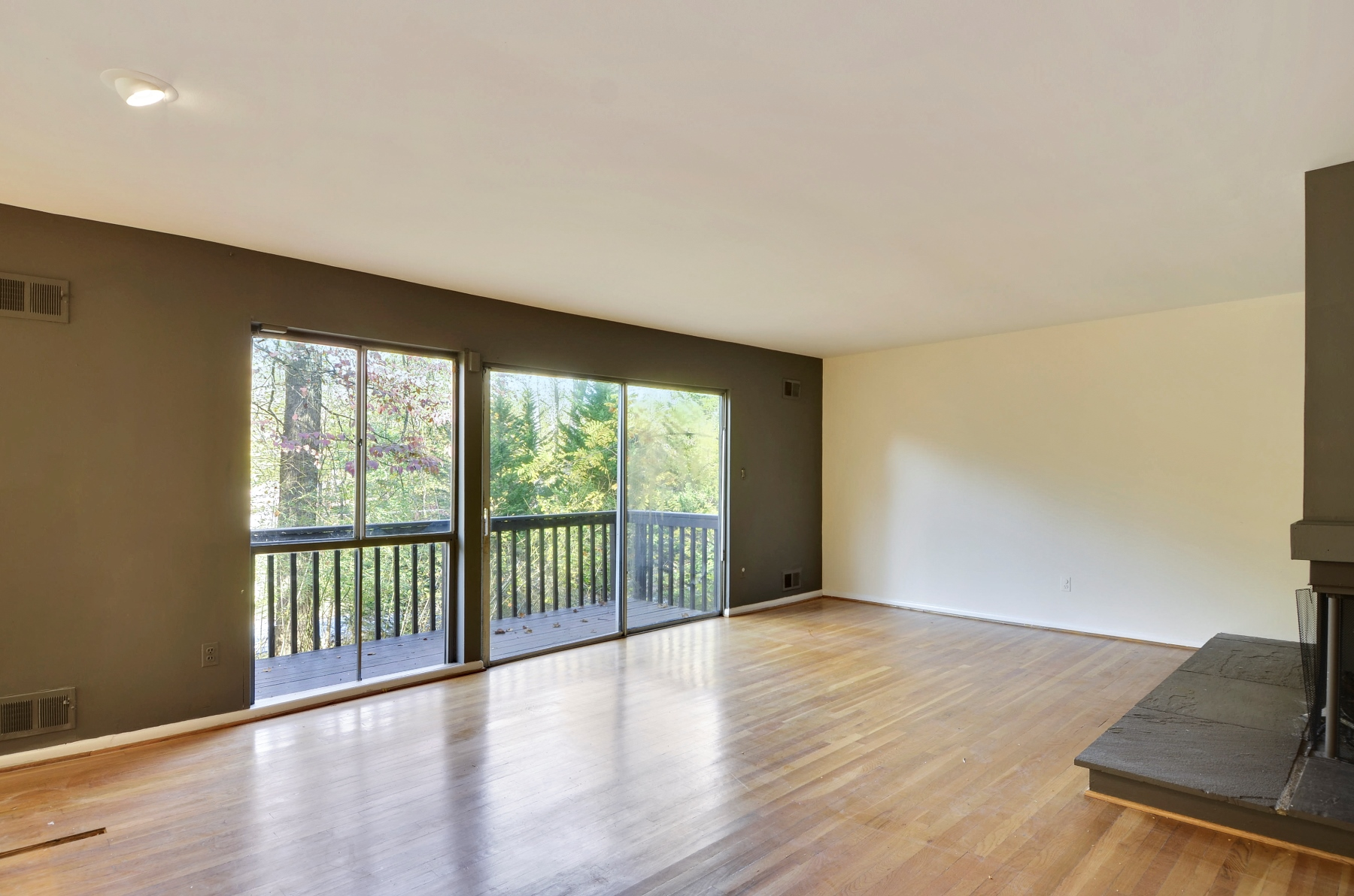 Additional photo for property listing at 4 Delford Avenue, Silver Spring  Silver Spring, Maryland 20904 Estados Unidos