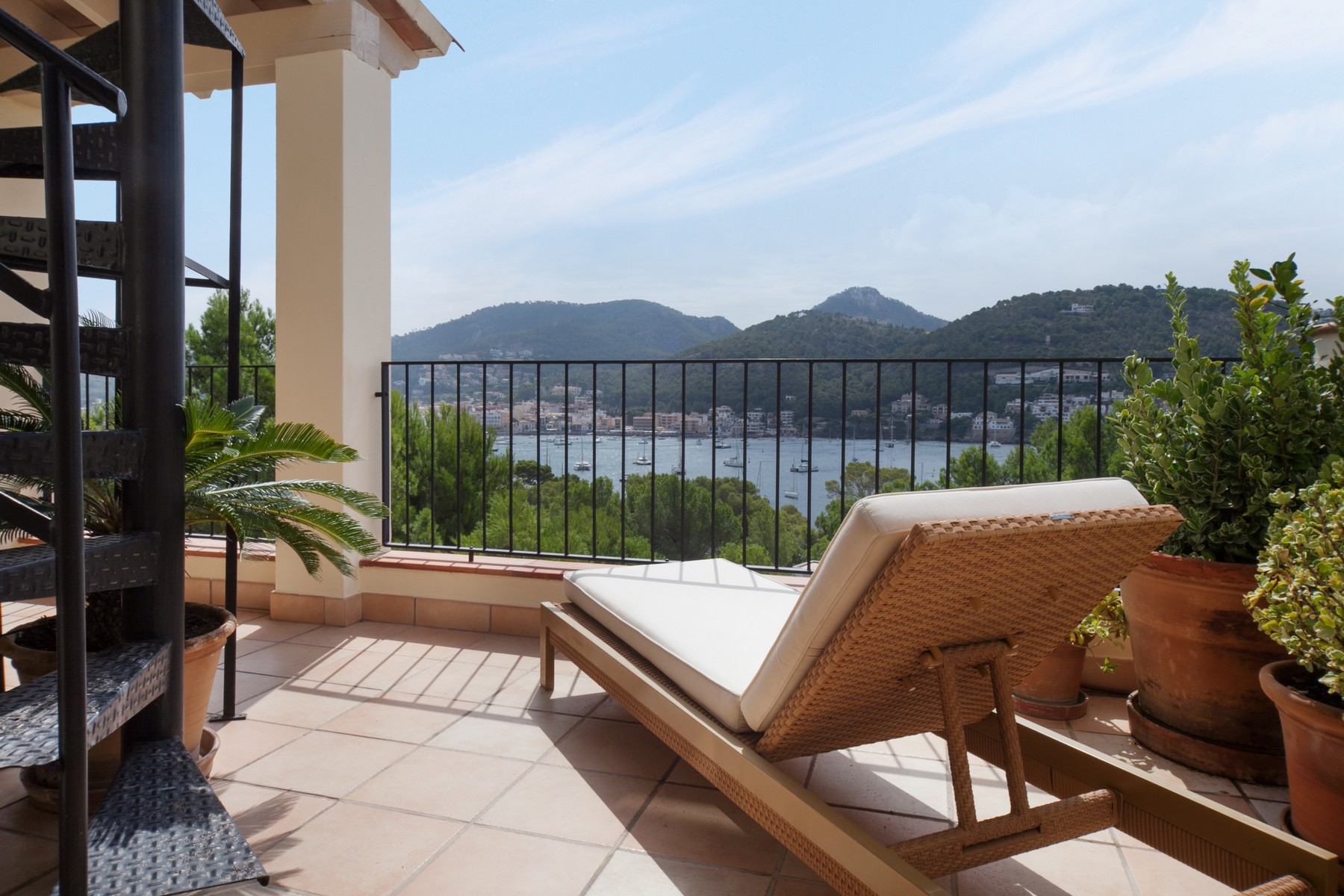 Appartement pour l Vente à Penthouse with ideal location in Port Andratx Port Andratx, Majorque, 07157 Espagne