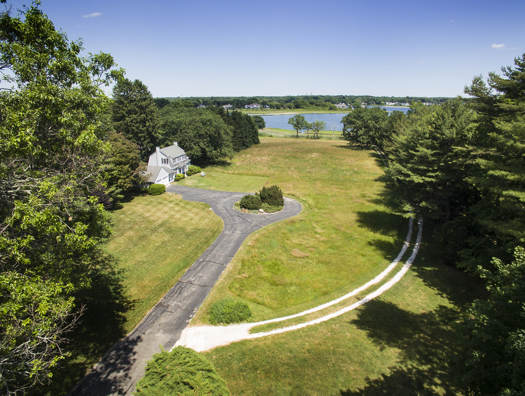 Additional photo for property listing at Rumstick Point 280 Rumstick Road Barrington, Rhode Island 02806 Estados Unidos