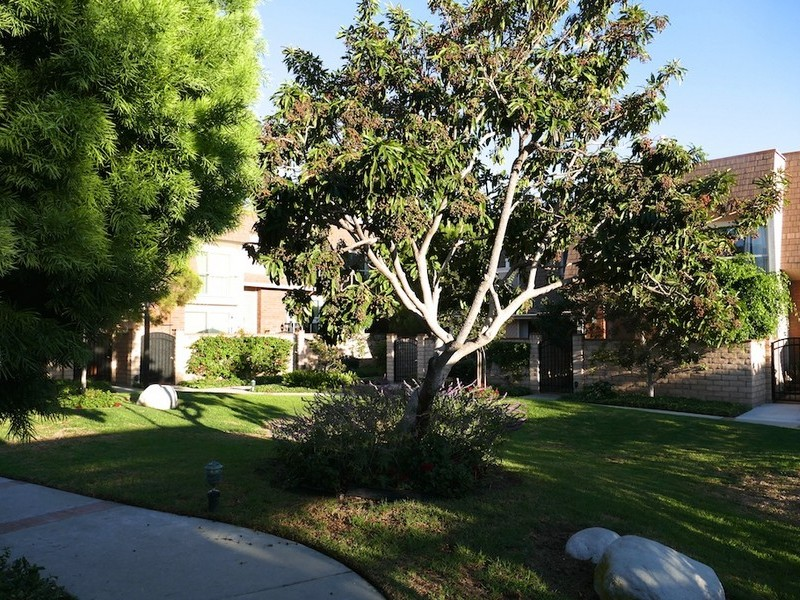 Townhouse for Sale at 13065 Mindanao Way #3 Marina Del Rey, California 90292 United States