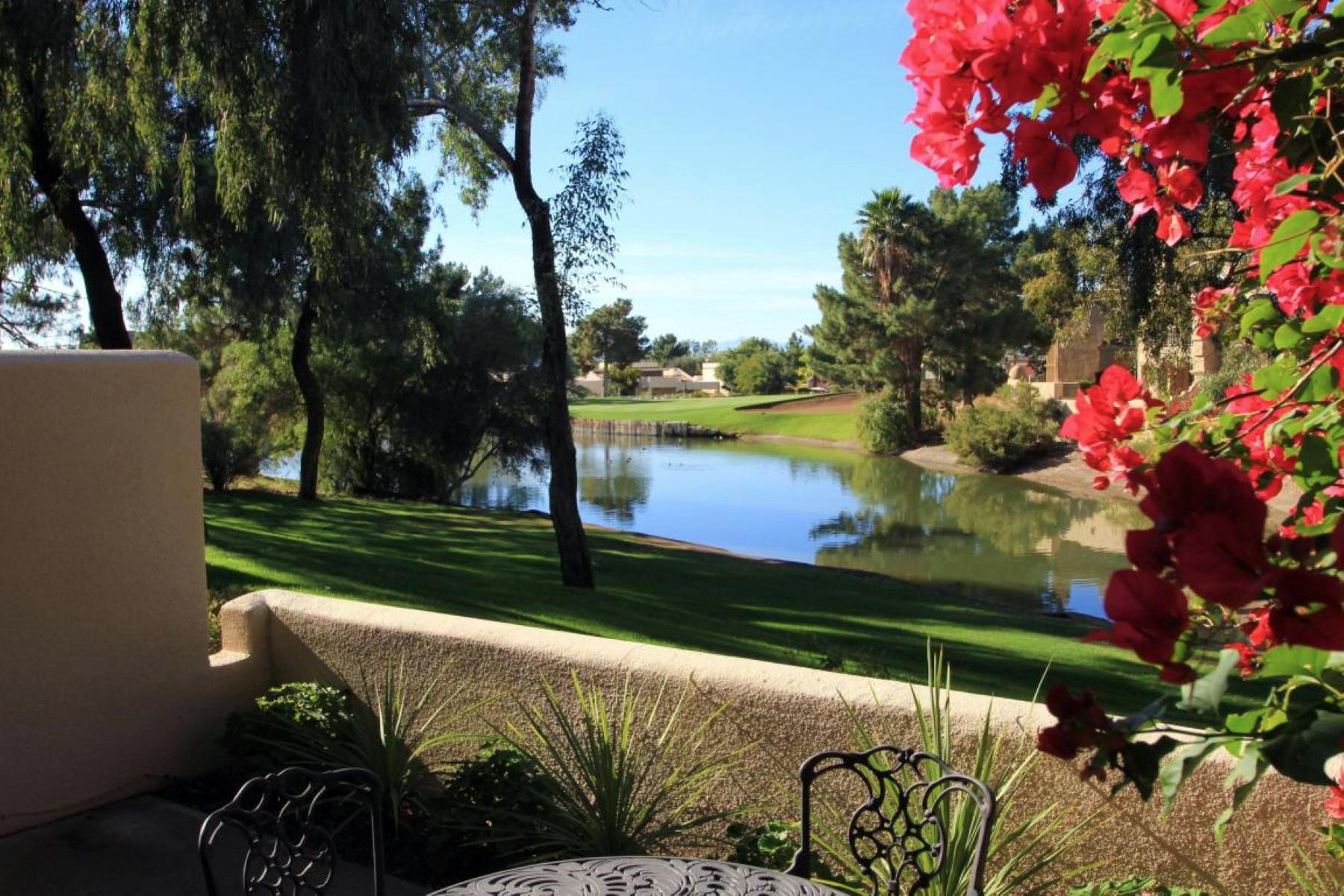 Autre résidentiel pour l Vente à Fabulous Condo Adjacent to the Arizona Biltmore Golf Course 6152 N 29th Street Phoenix, Arizona 85016 États-Unis