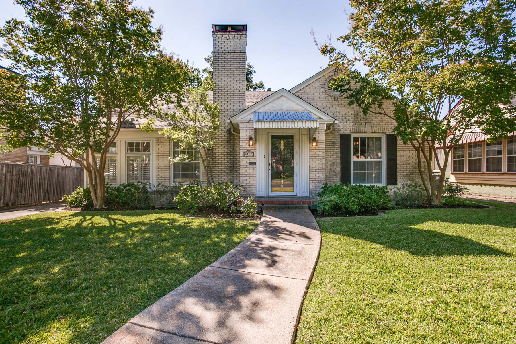 Single Family Home for Sale at Charming Tudor Bungalow 6136 Kenwood Avenue Dallas, Texas 75214 United States