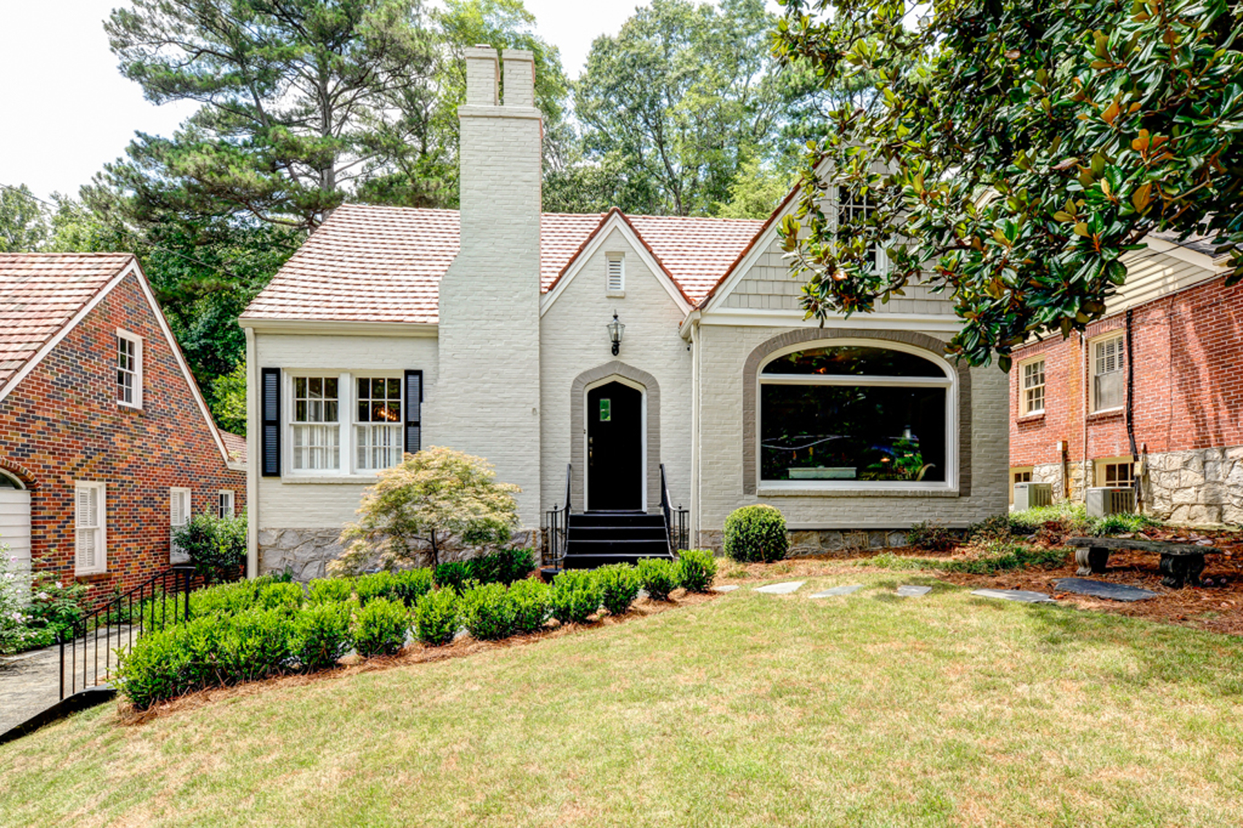 一戸建て のために 売買 アット Renovated Storybook Cottage In Garden Hills 2874 Alpine Road NE Garden Hills, Atlanta, ジョージア, 30305 アメリカ合衆国