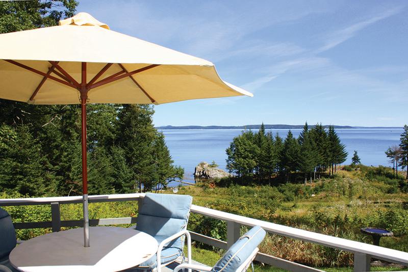 Single Family Home for Sale at 391 Main 391 Main Road Islesboro, Maine 04848 United States