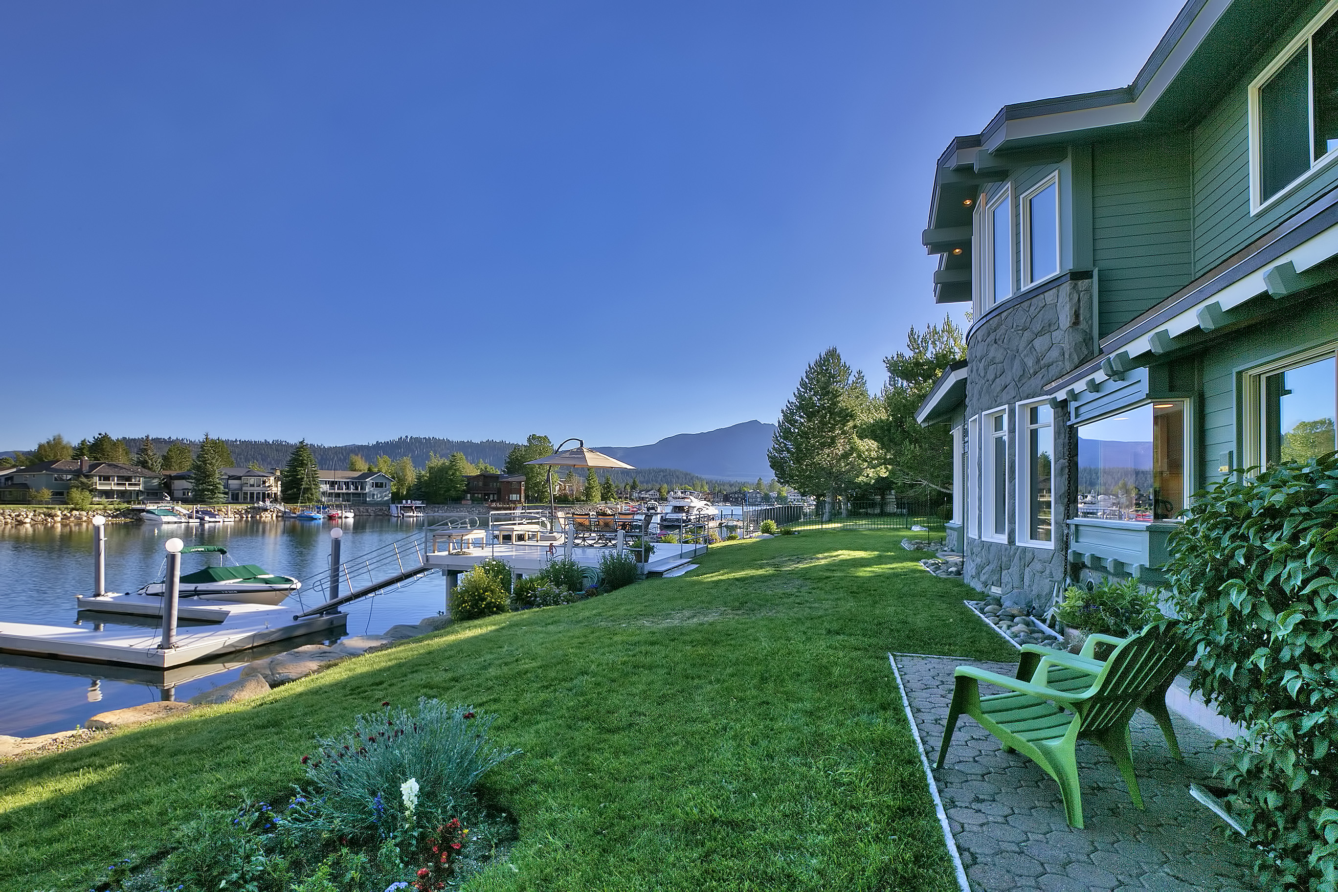 Single Family Home for Sale at 282 Beach Drive South Lake Tahoe, California, 96150 United States