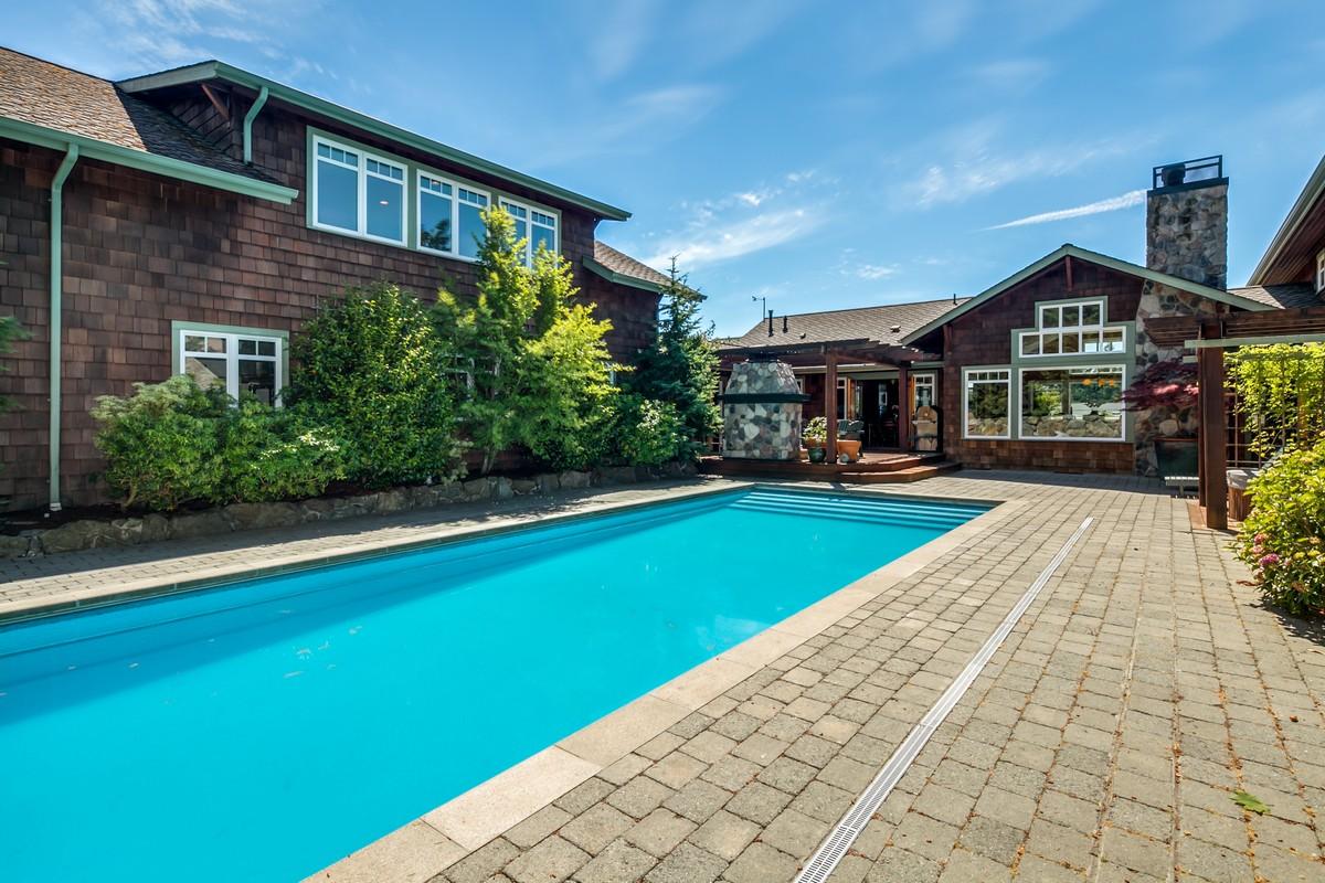 Single Family Home for Sale at Ridge House 2201 Minnesota Ave Anacortes, Washington 98221 United States