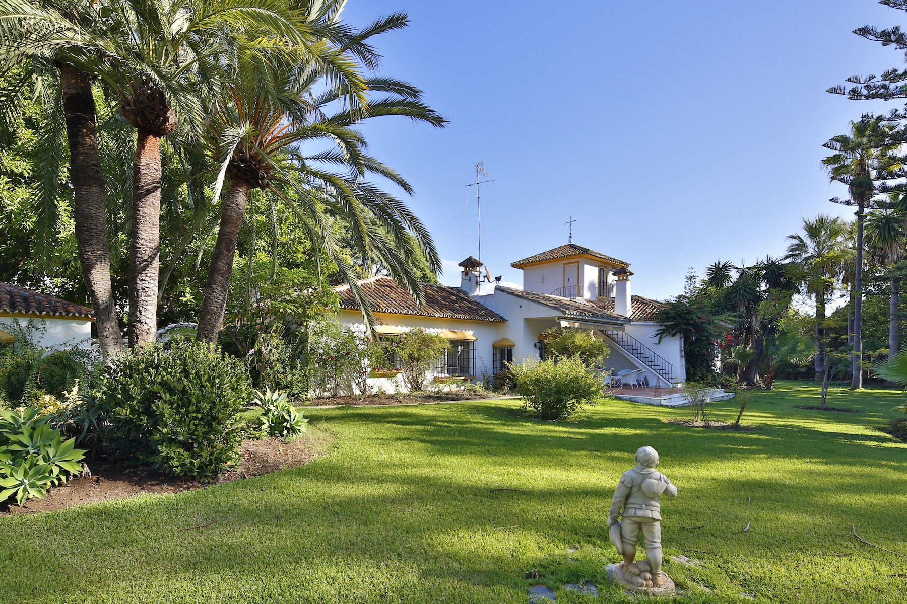 Single Family Home for Sale at Charming villa on magnificent plot in Guadalmina Marbella, Costa Del Sol, 29679 Spain
