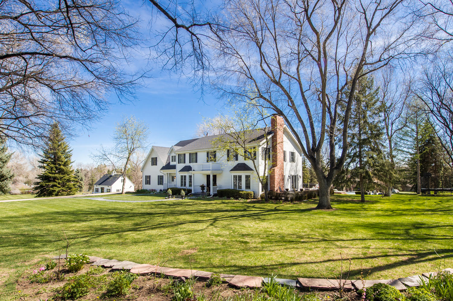 sales property at An enchanting country estate poised on a beautiful 1.8 acre site